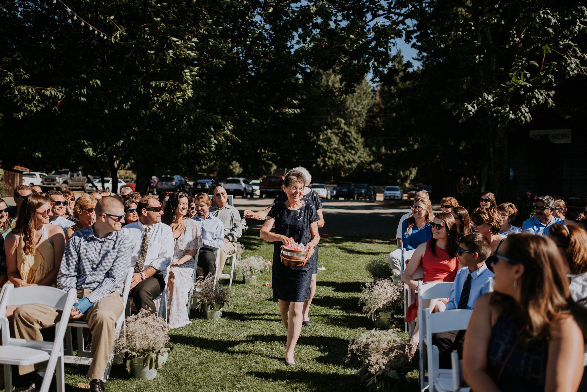 kristen-and-cody-the-kelley-farm-wedding-seattle-photographer-caitlyn-nikula-59.jpg
