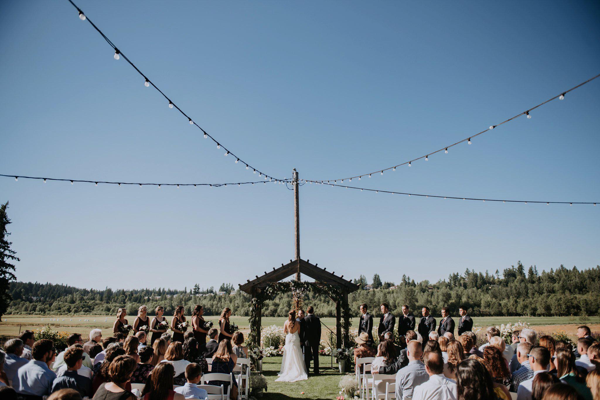kristen-and-cody-the-kelley-farm-wedding-seattle-photographer-caitlyn-nikula-63.jpg