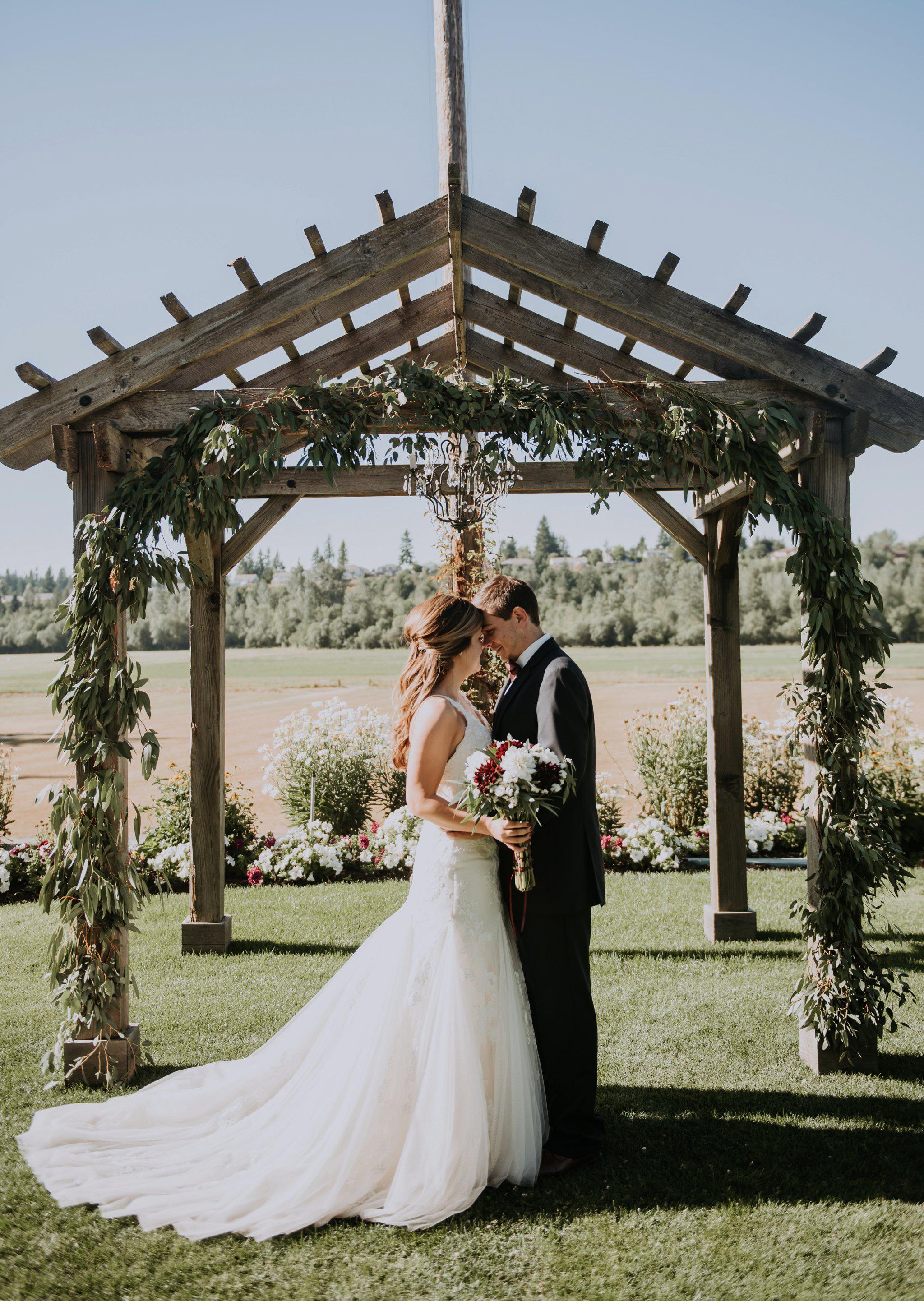 kristen-and-cody-the-kelley-farm-wedding-seattle-photographer-caitlyn-nikula-65.jpg