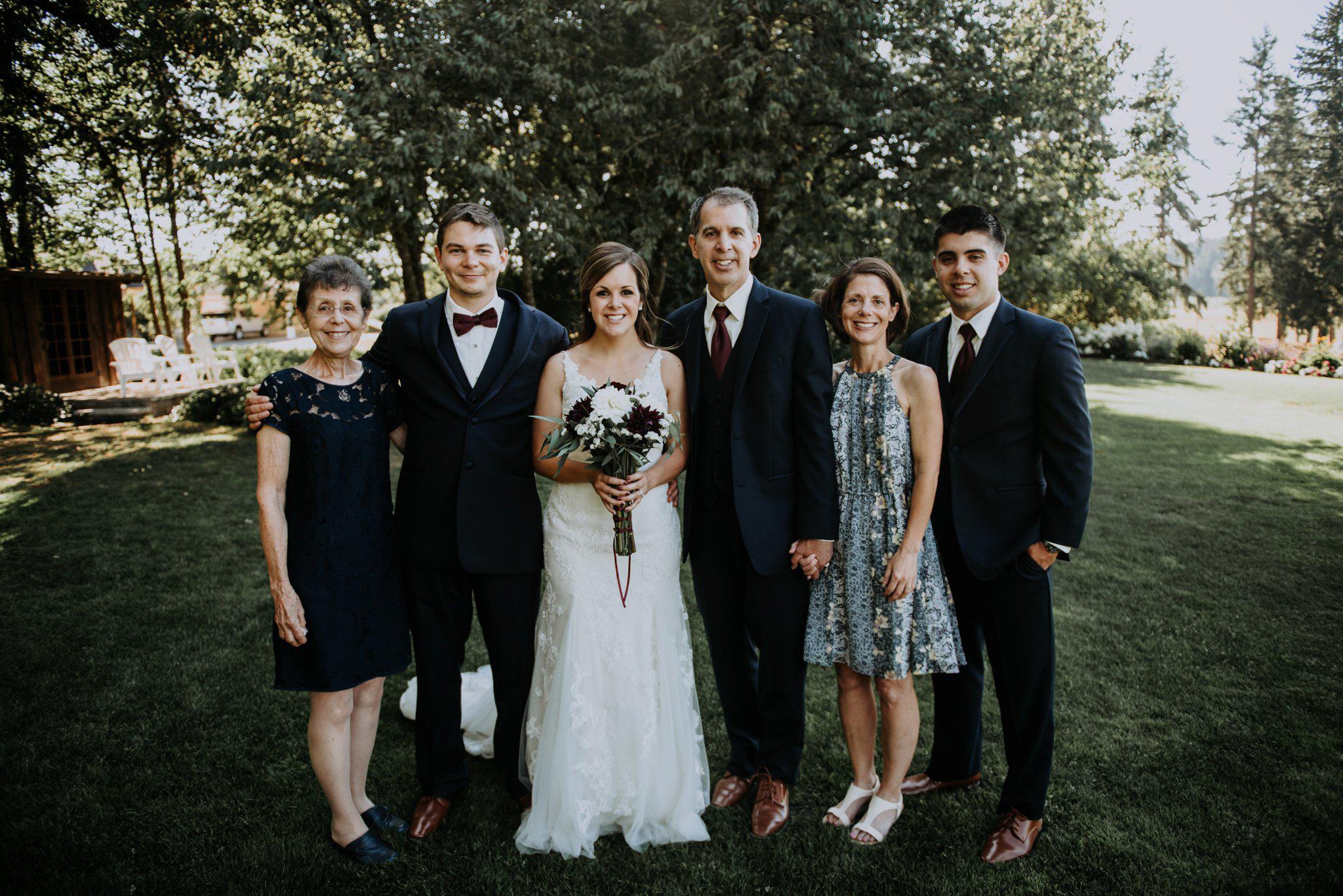 kristen-and-cody-the-kelley-farm-wedding-seattle-photographer-caitlyn-nikula-67.jpg