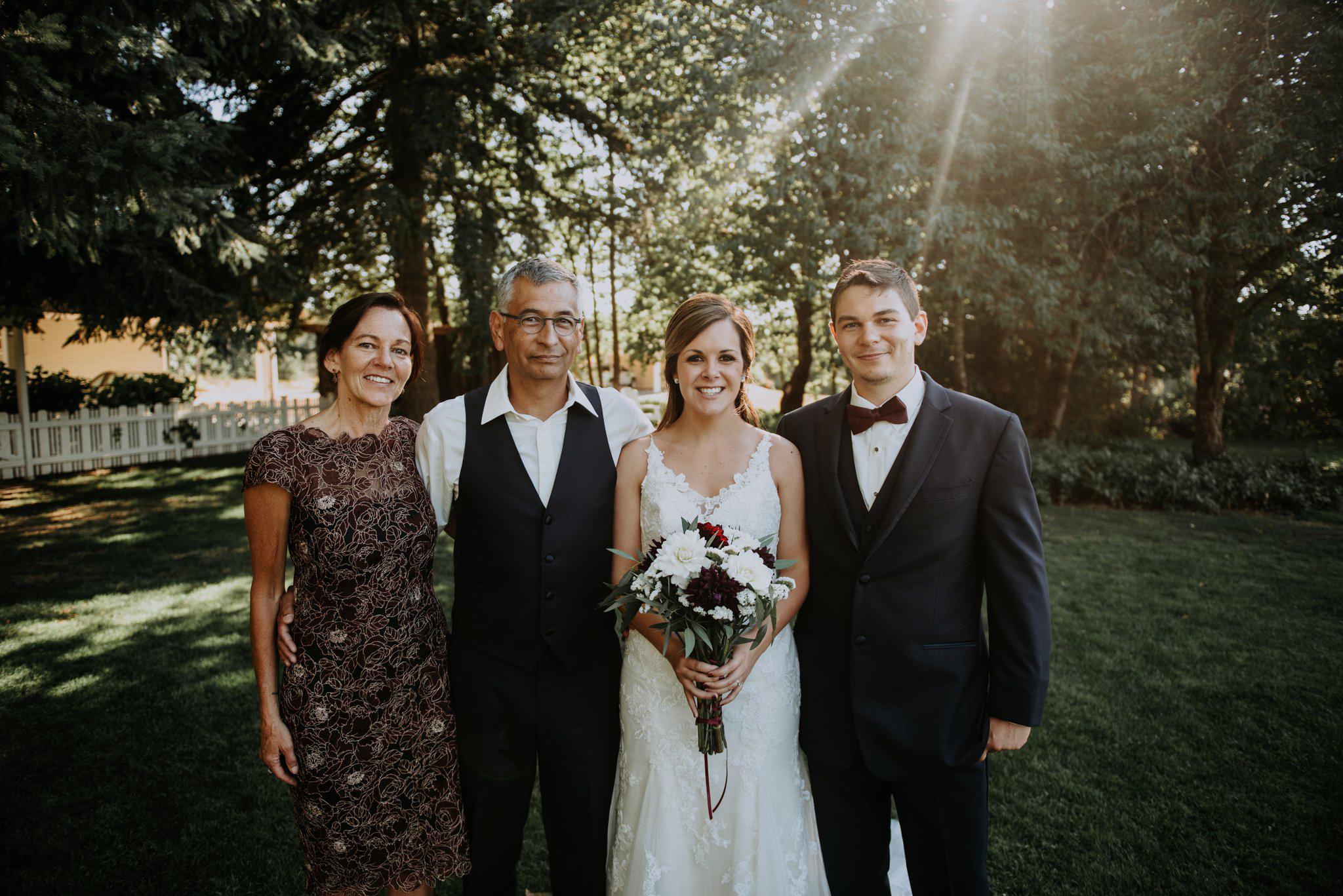 kristen-and-cody-the-kelley-farm-wedding-seattle-photographer-caitlyn-nikula-68.jpg
