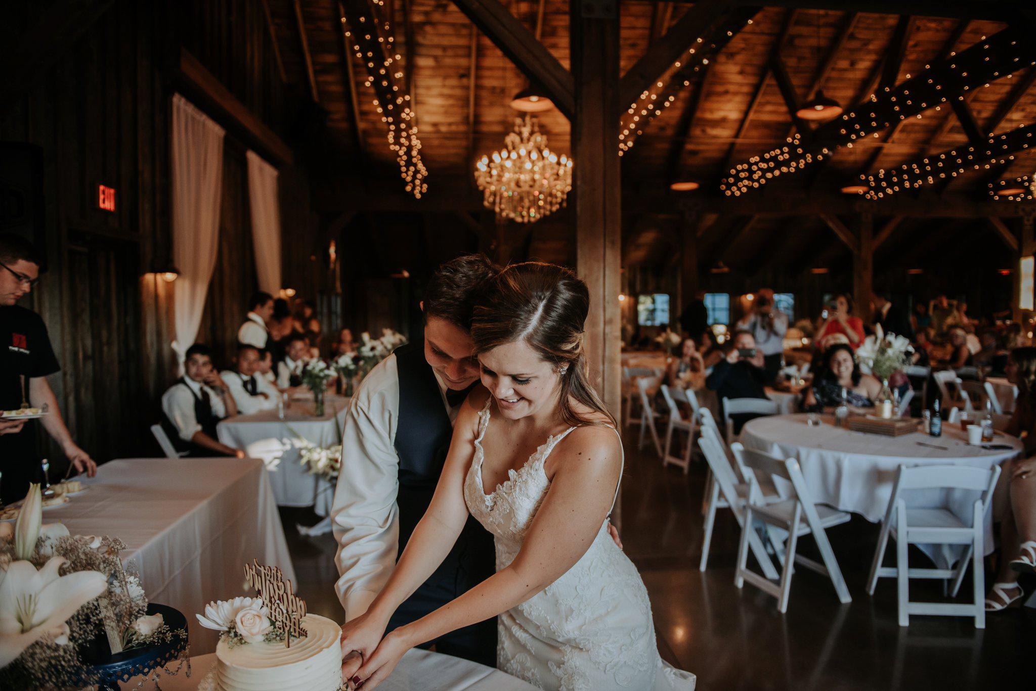 kristen-and-cody-the-kelley-farm-wedding-seattle-photographer-caitlyn-nikula-85.jpg