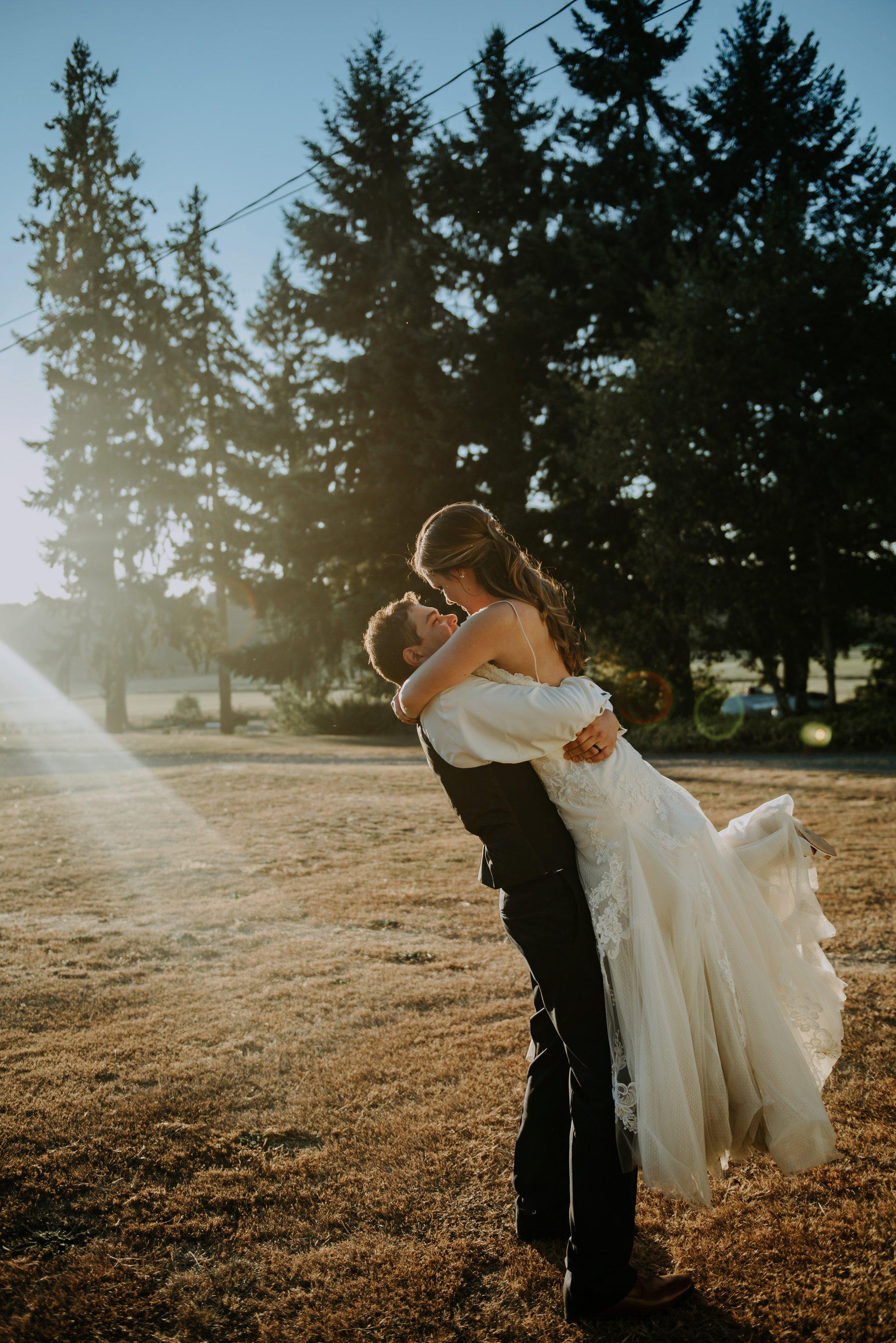 kristen-and-cody-the-kelley-farm-wedding-seattle-photographer-caitlyn-nikula-93.jpg