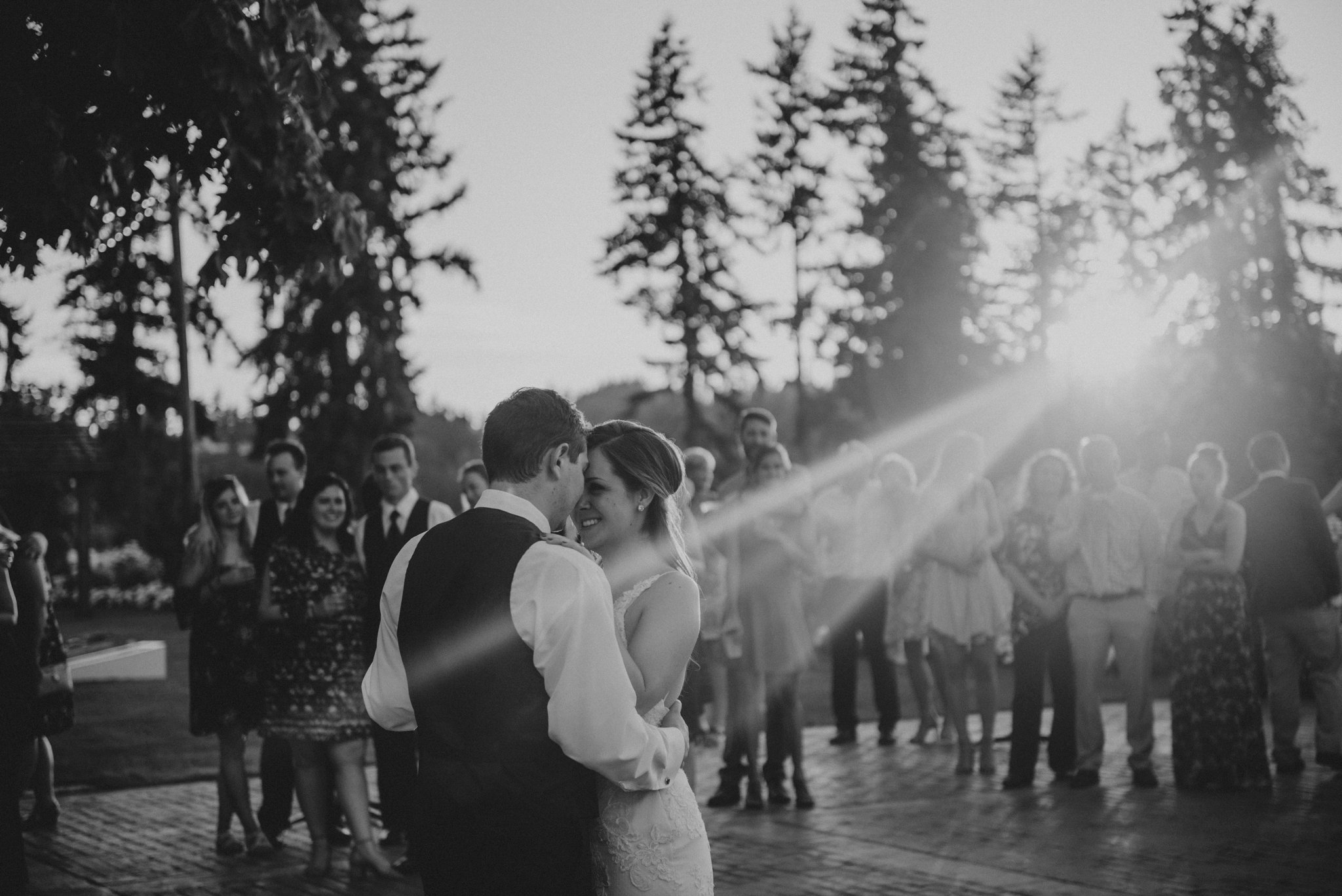 kristen-and-cody-the-kelley-farm-wedding-seattle-photographer-caitlyn-nikula-102.jpg