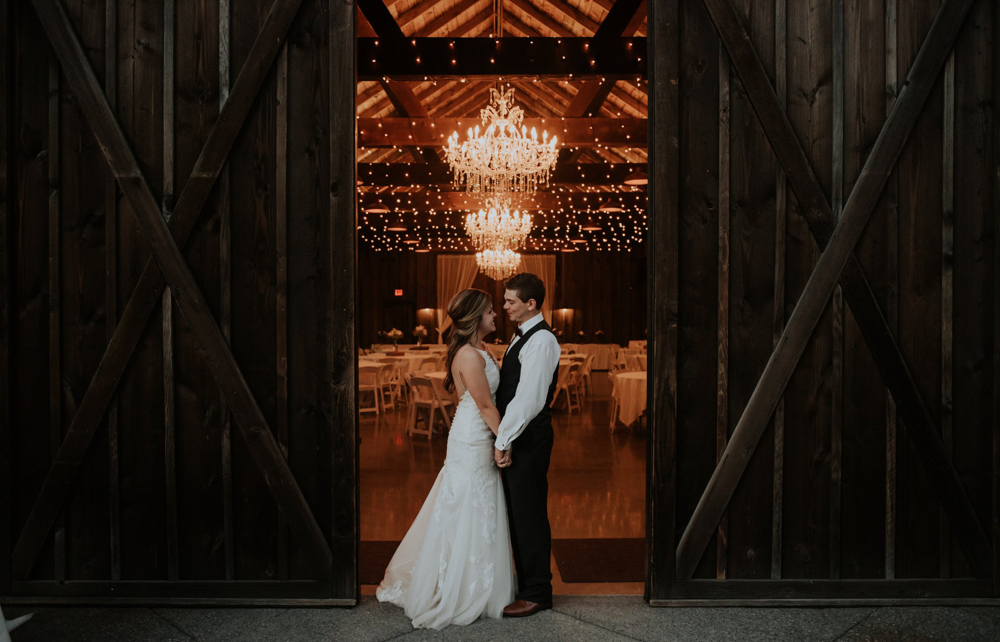 kristen-and-cody-the-kelley-farm-wedding-seattle-photographer-caitlyn-nikula-101.jpg