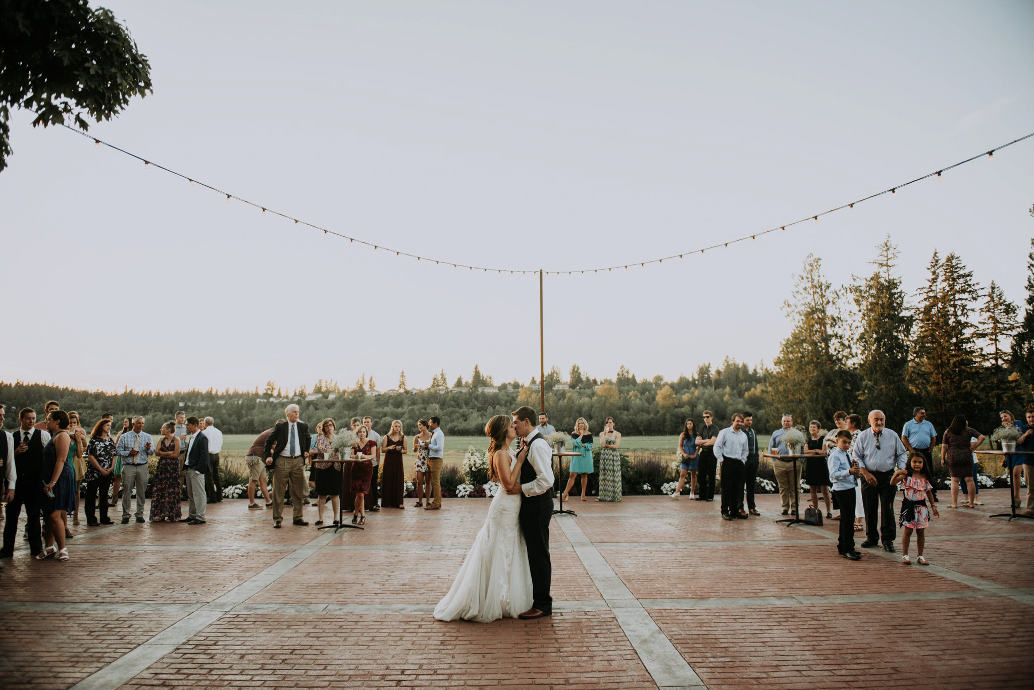 kristen-and-cody-the-kelley-farm-wedding-seattle-photographer-caitlyn-nikula-104.jpg
