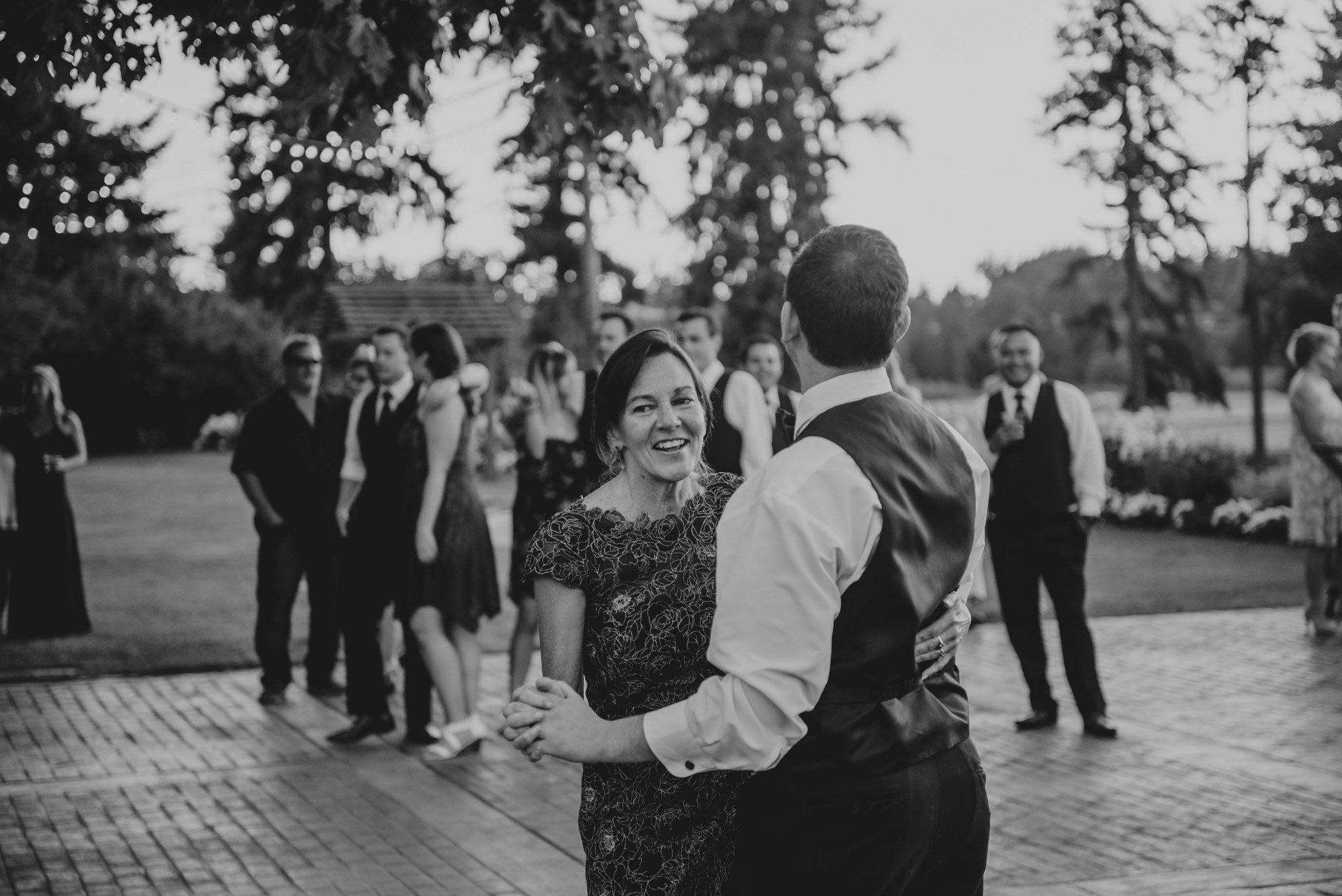 kristen-and-cody-the-kelley-farm-wedding-seattle-photographer-caitlyn-nikula-107.jpg