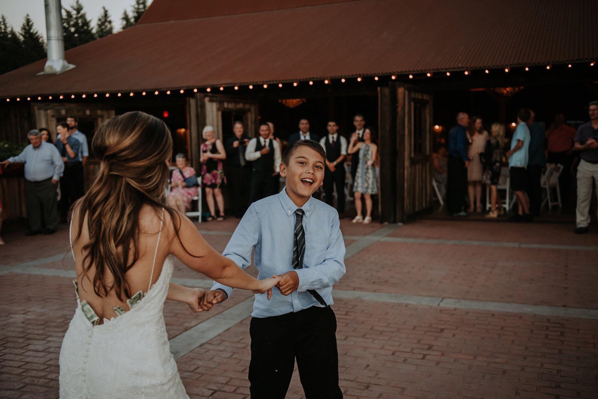 kristen-and-cody-the-kelley-farm-wedding-seattle-photographer-caitlyn-nikula-110.jpg