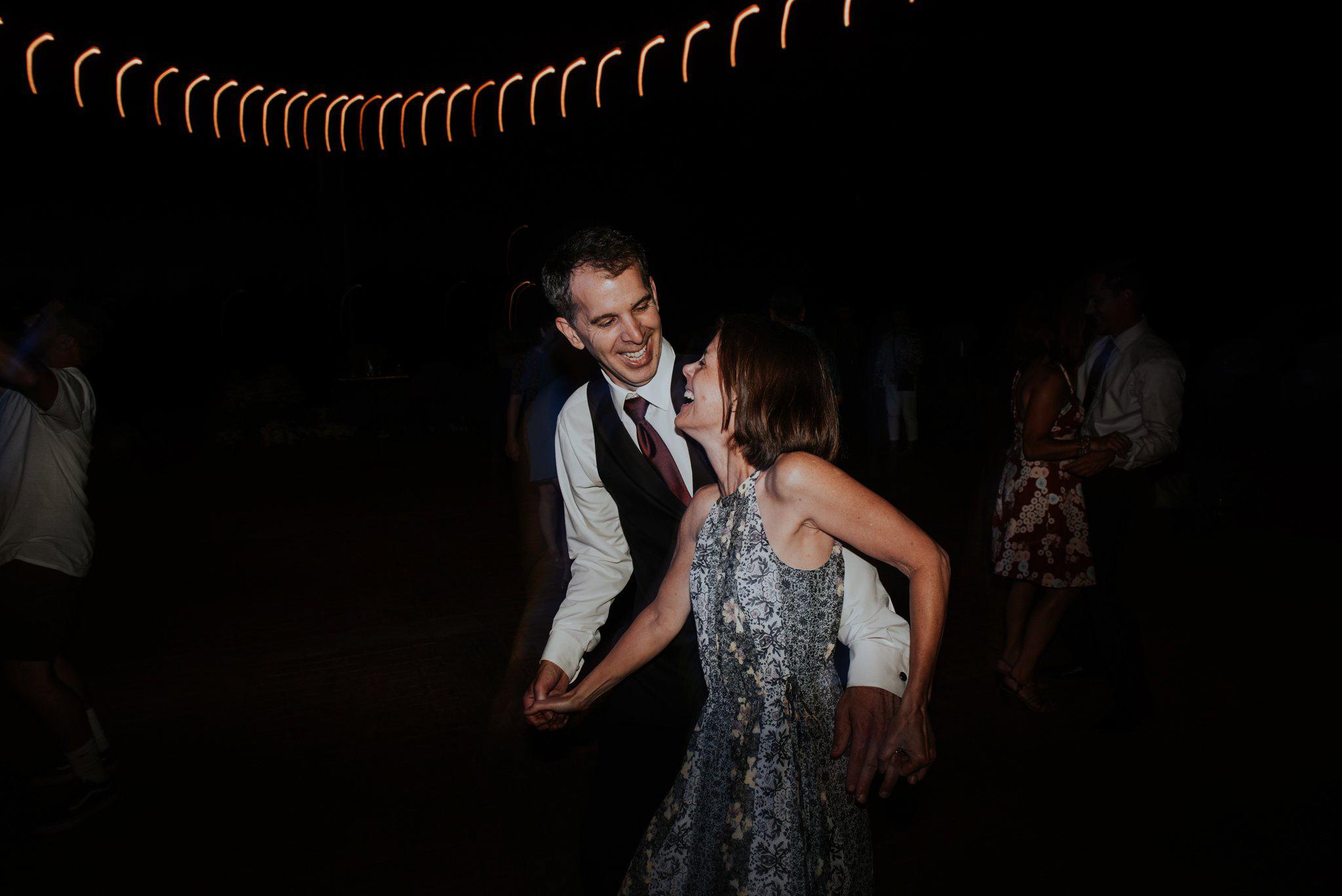 kristen-and-cody-the-kelley-farm-wedding-seattle-photographer-caitlyn-nikula-121.jpg