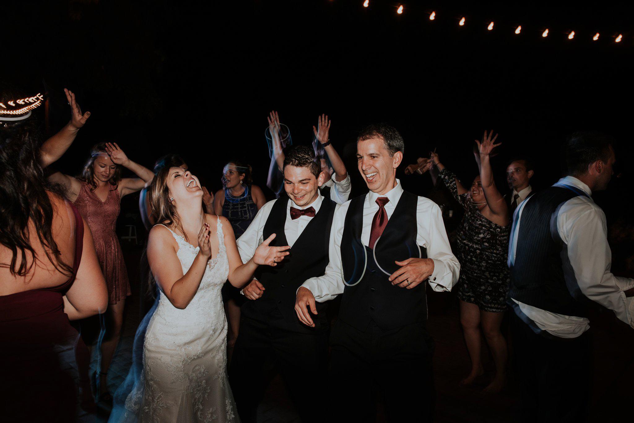 kristen-and-cody-the-kelley-farm-wedding-seattle-photographer-caitlyn-nikula-126.jpg