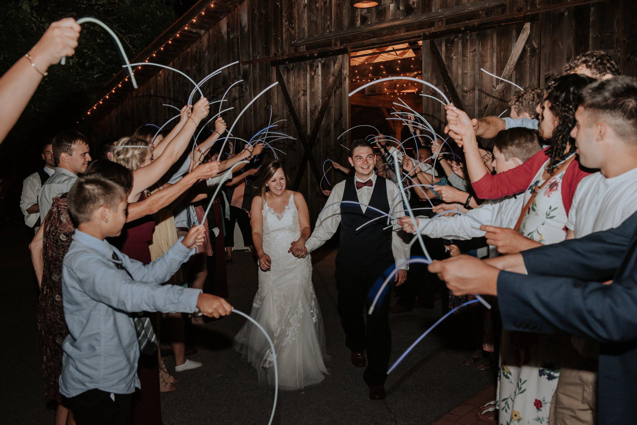 kristen-and-cody-the-kelley-farm-wedding-seattle-photographer-caitlyn-nikula-128.jpg