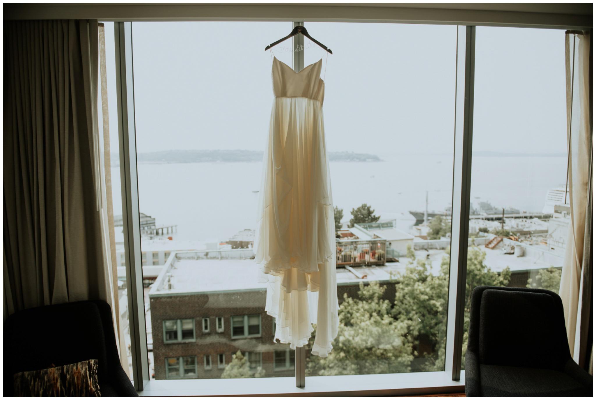 alyssa-keiran-westland-distillery-urban-seattle-wedding-photographer-caitlyn-nikula-19.jpg