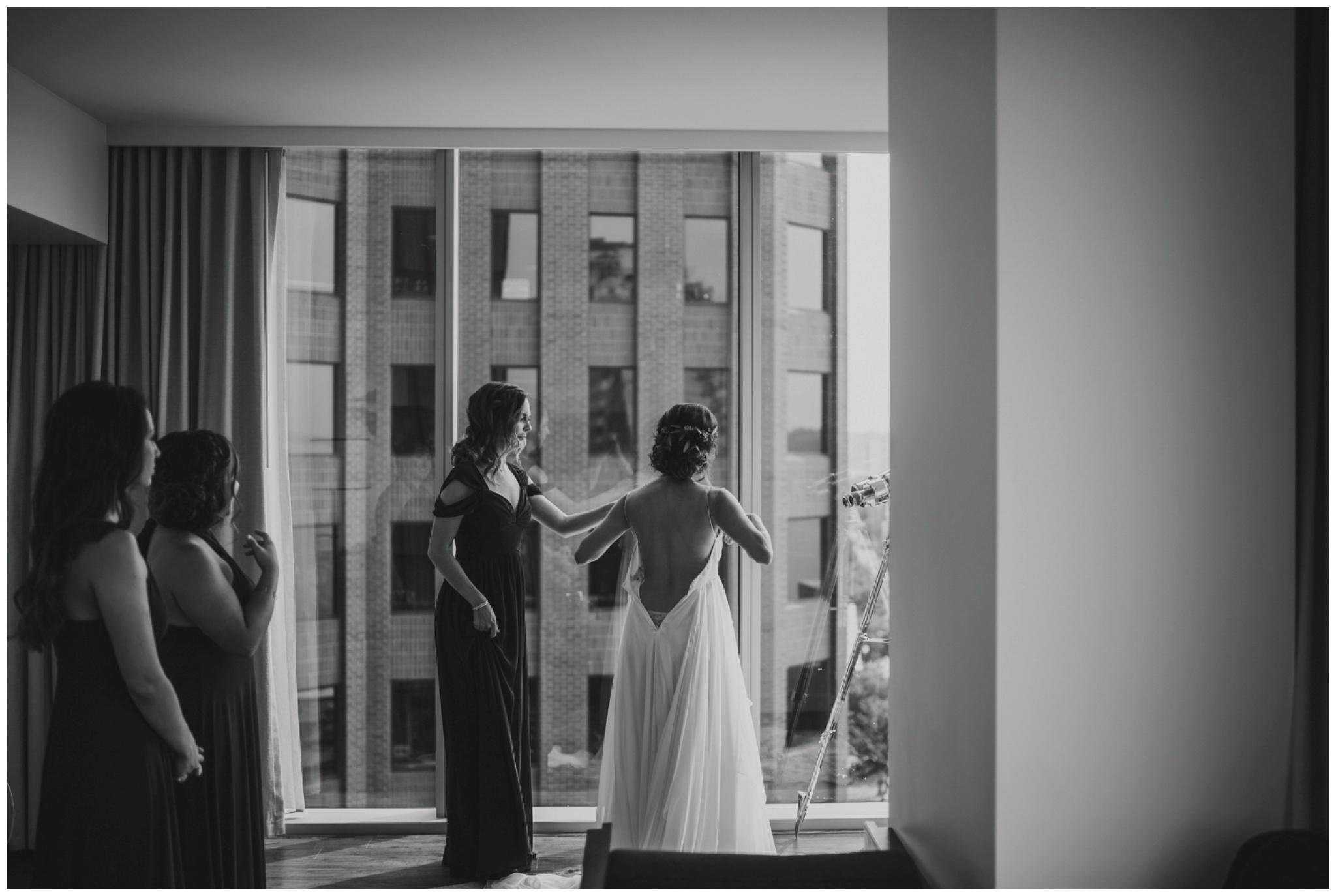 alyssa-keiran-westland-distillery-urban-seattle-wedding-photographer-caitlyn-nikula-37.jpg