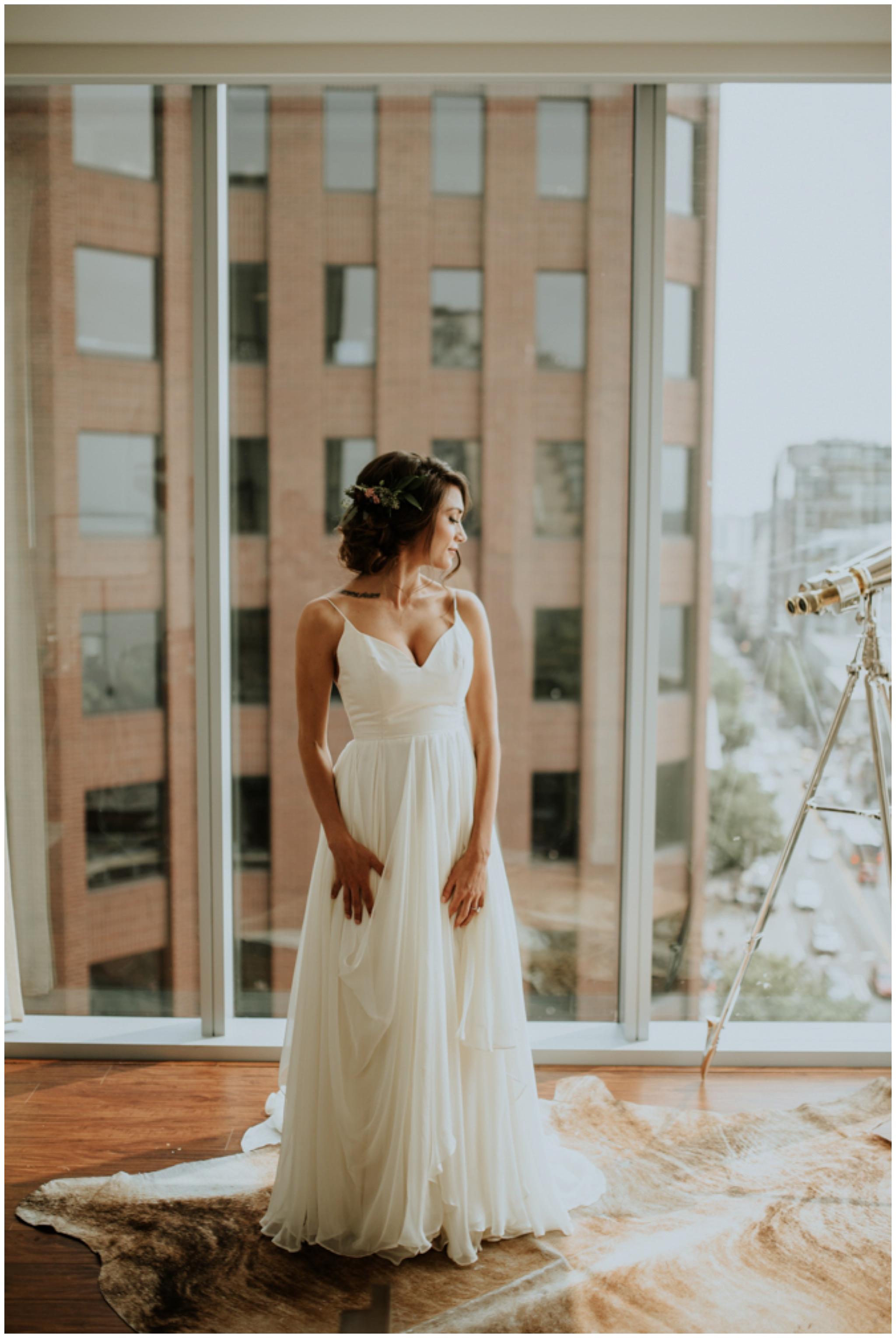alyssa-keiran-westland-distillery-urban-seattle-wedding-photographer-caitlyn-nikula-39.jpg