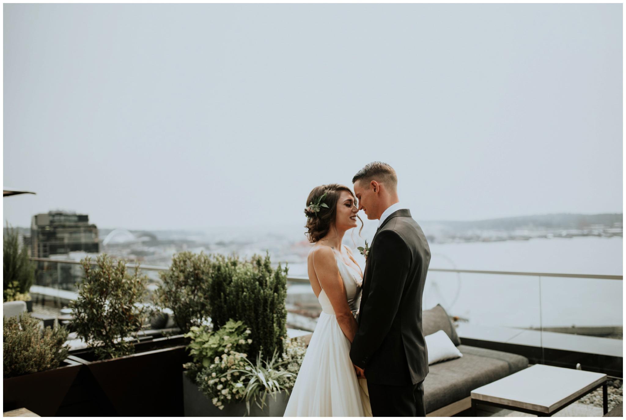 alyssa-keiran-westland-distillery-urban-seattle-wedding-photographer-caitlyn-nikula-51.jpg