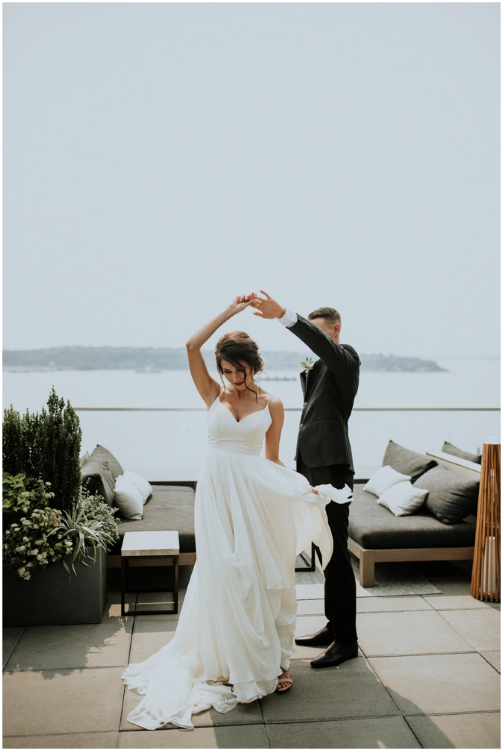 alyssa-keiran-westland-distillery-urban-seattle-wedding-photographer-caitlyn-nikula-54.jpg