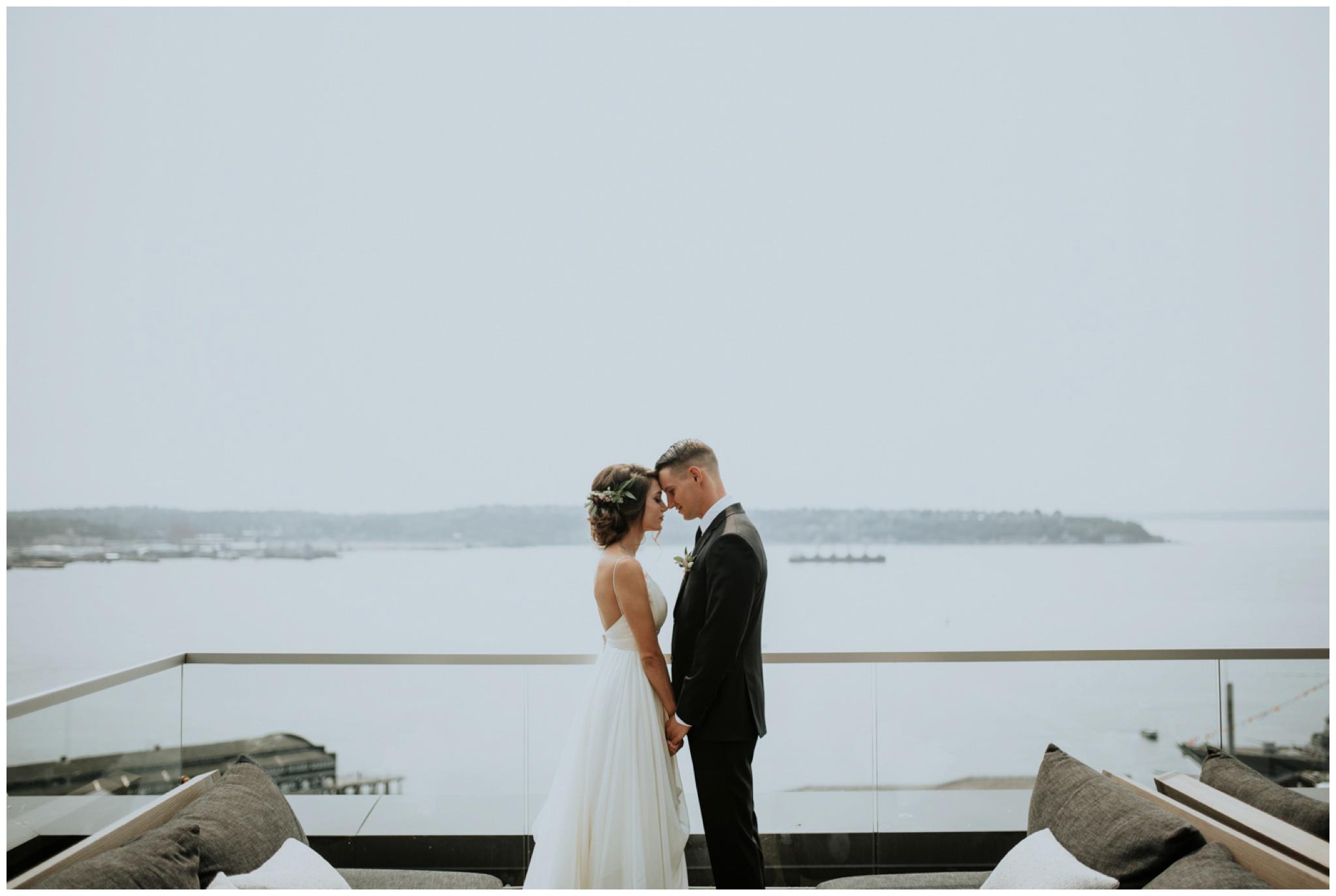 alyssa-keiran-westland-distillery-urban-seattle-wedding-photographer-caitlyn-nikula-55.jpg