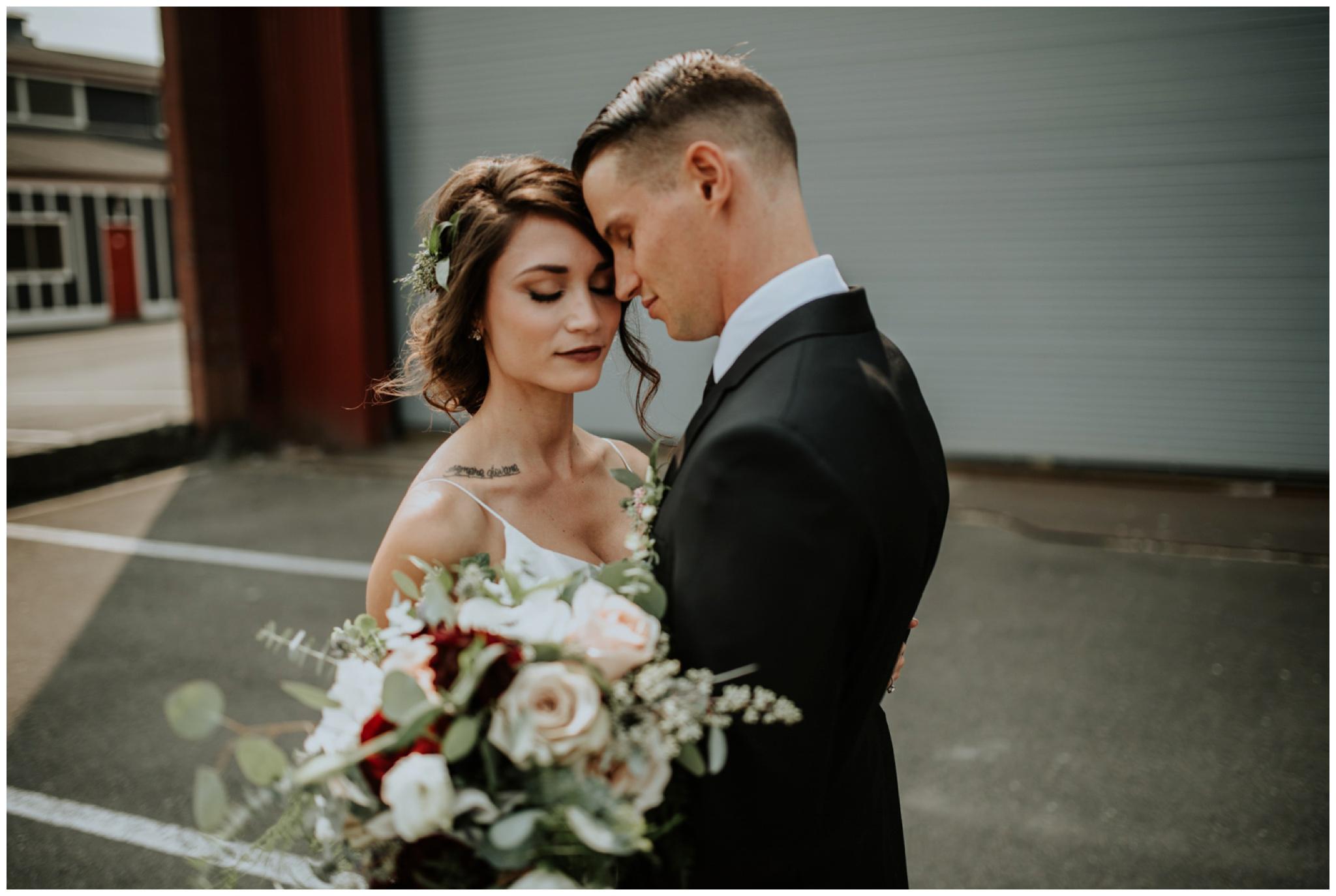 alyssa-keiran-westland-distillery-urban-seattle-wedding-photographer-caitlyn-nikula-60.jpg