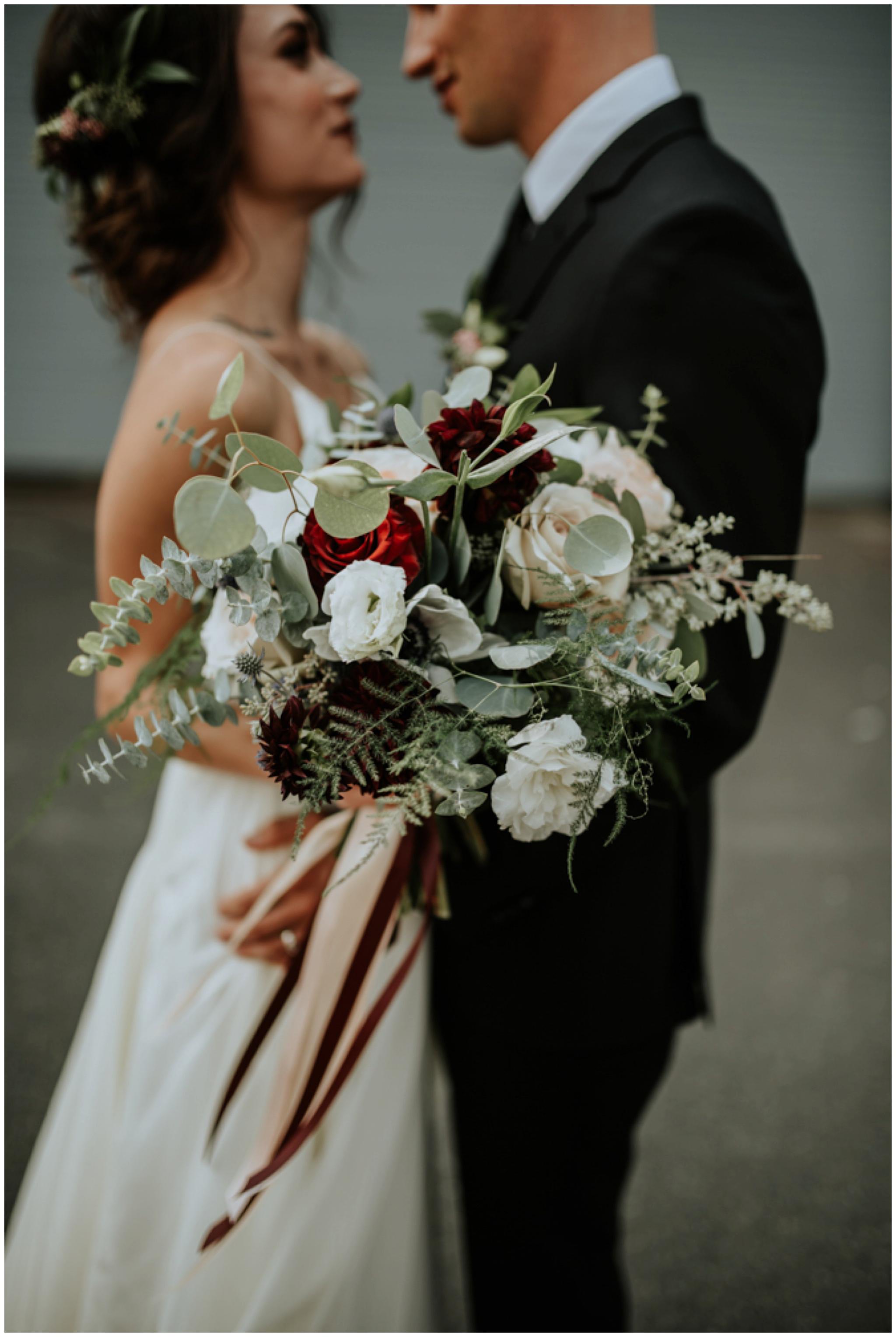 alyssa-keiran-westland-distillery-urban-seattle-wedding-photographer-caitlyn-nikula-63.jpg