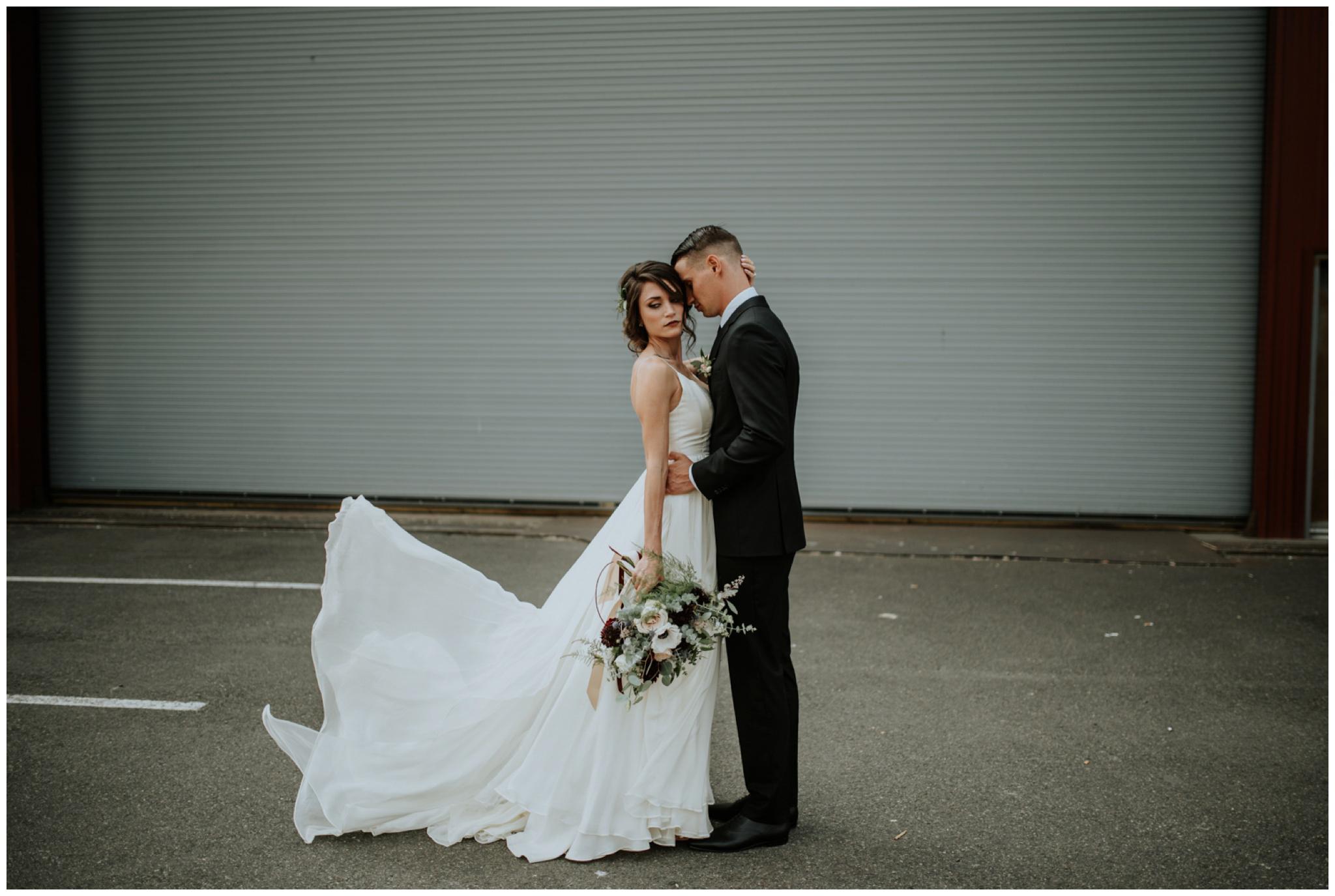 alyssa-keiran-westland-distillery-urban-seattle-wedding-photographer-caitlyn-nikula-64.jpg
