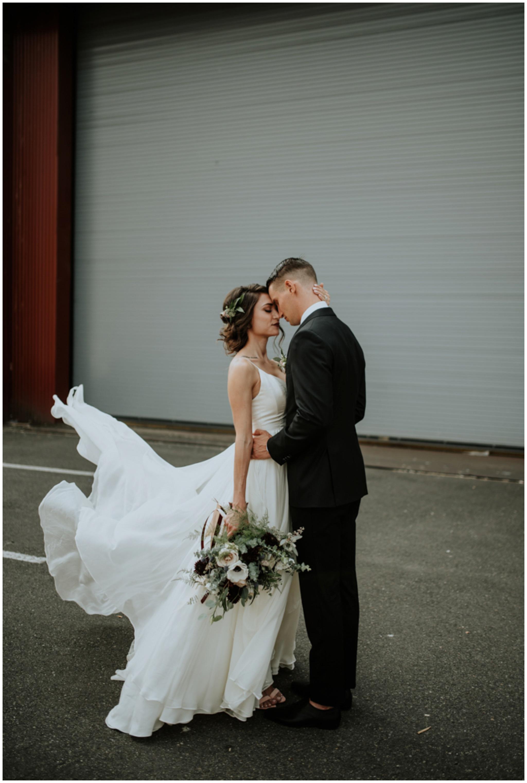 alyssa-keiran-westland-distillery-urban-seattle-wedding-photographer-caitlyn-nikula-65.jpg