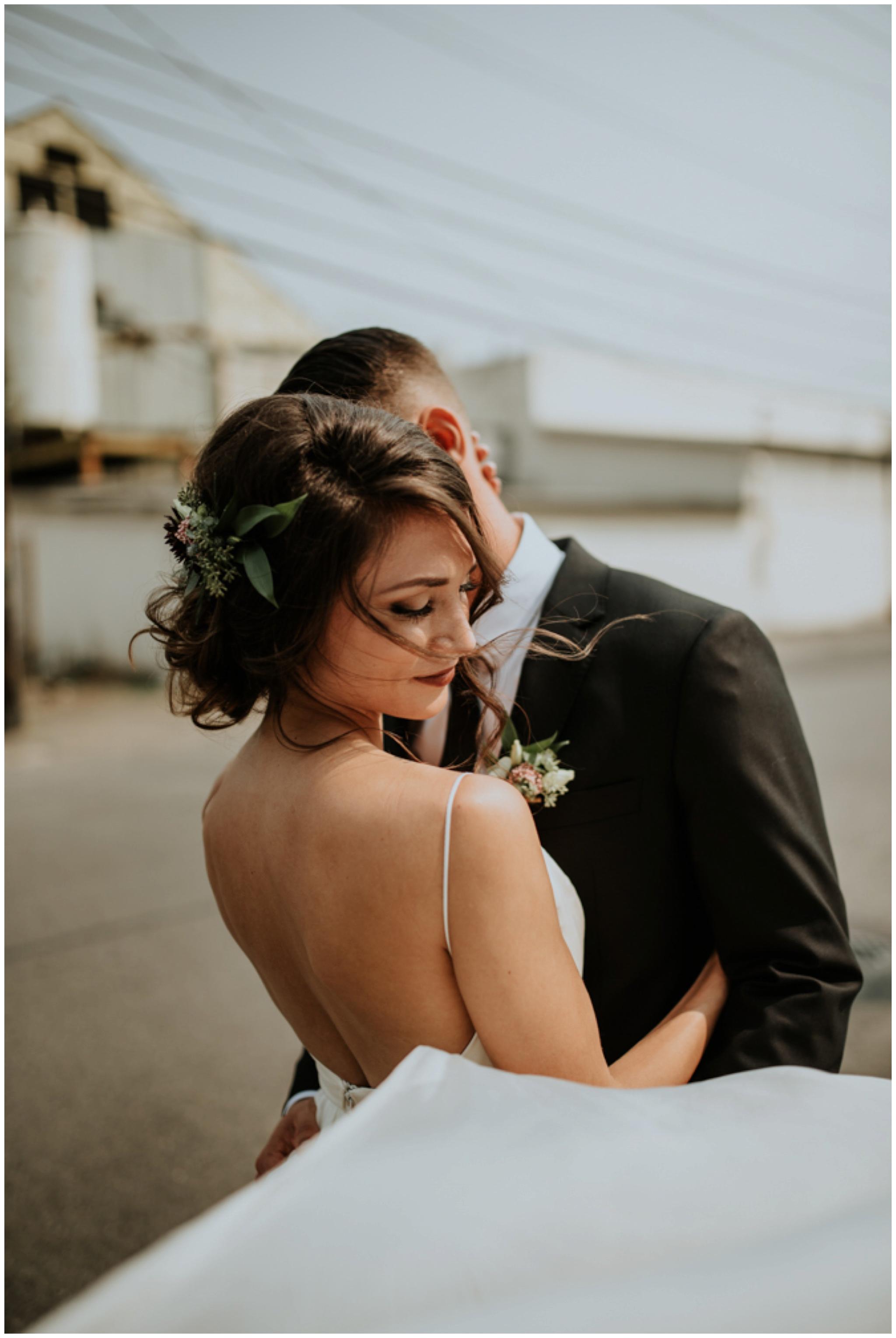 alyssa-keiran-westland-distillery-urban-seattle-wedding-photographer-caitlyn-nikula-67.jpg