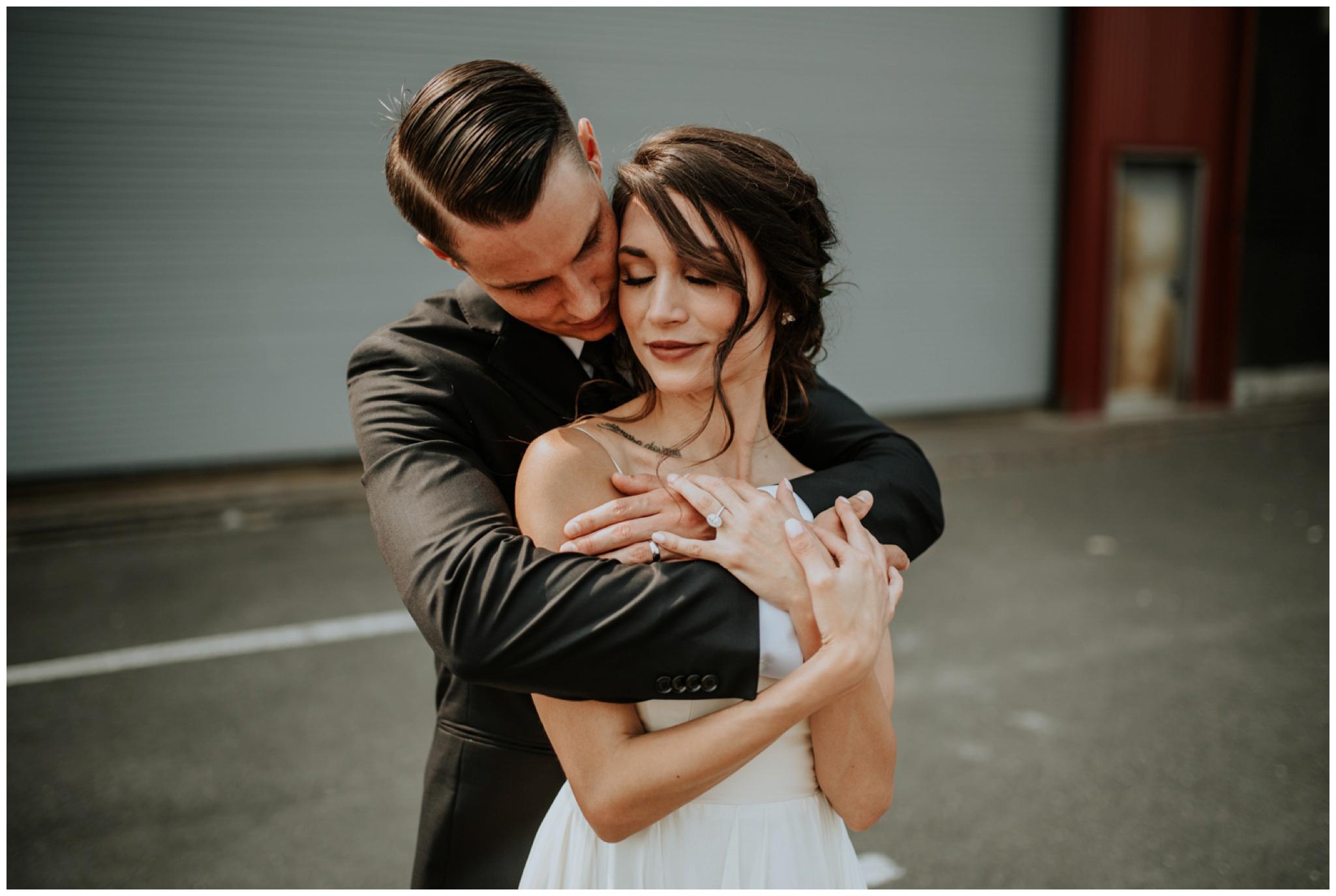 alyssa-keiran-westland-distillery-urban-seattle-wedding-photographer-caitlyn-nikula-69.jpg