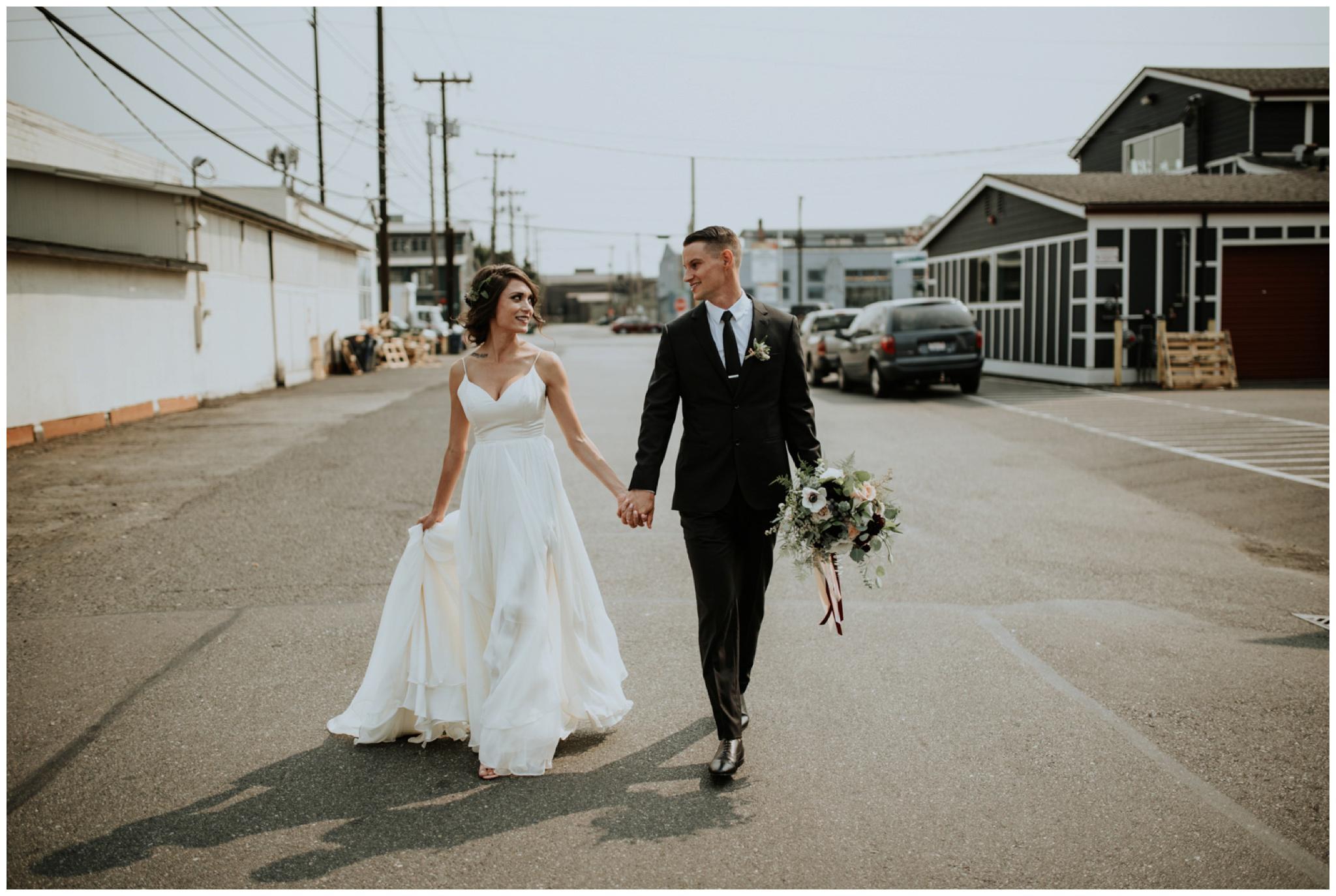 alyssa-keiran-westland-distillery-urban-seattle-wedding-photographer-caitlyn-nikula-73.jpg
