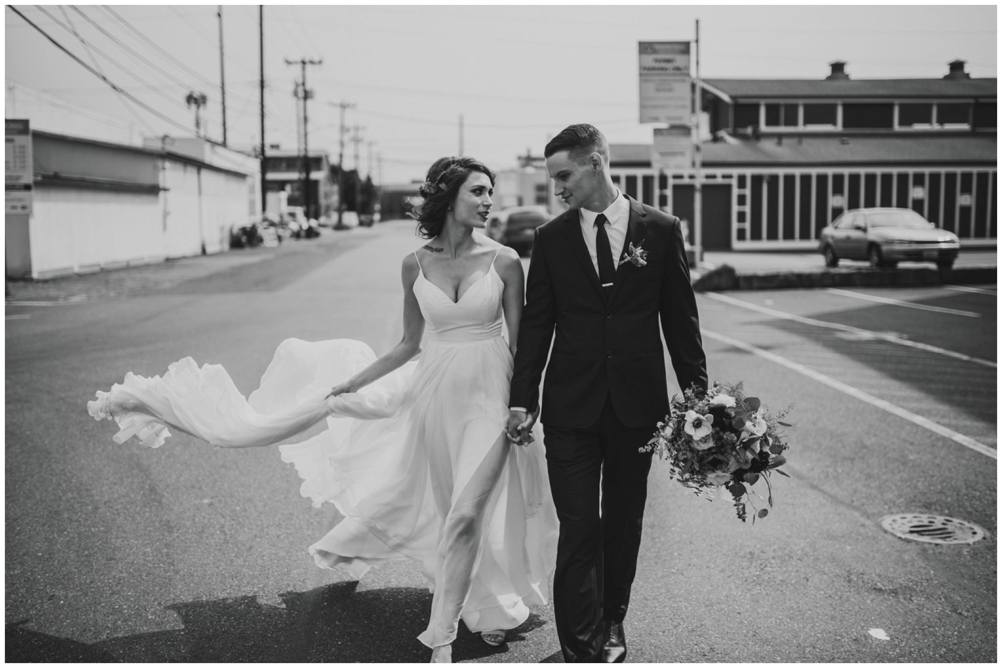 alyssa-keiran-westland-distillery-urban-seattle-wedding-photographer-caitlyn-nikula-74.jpg