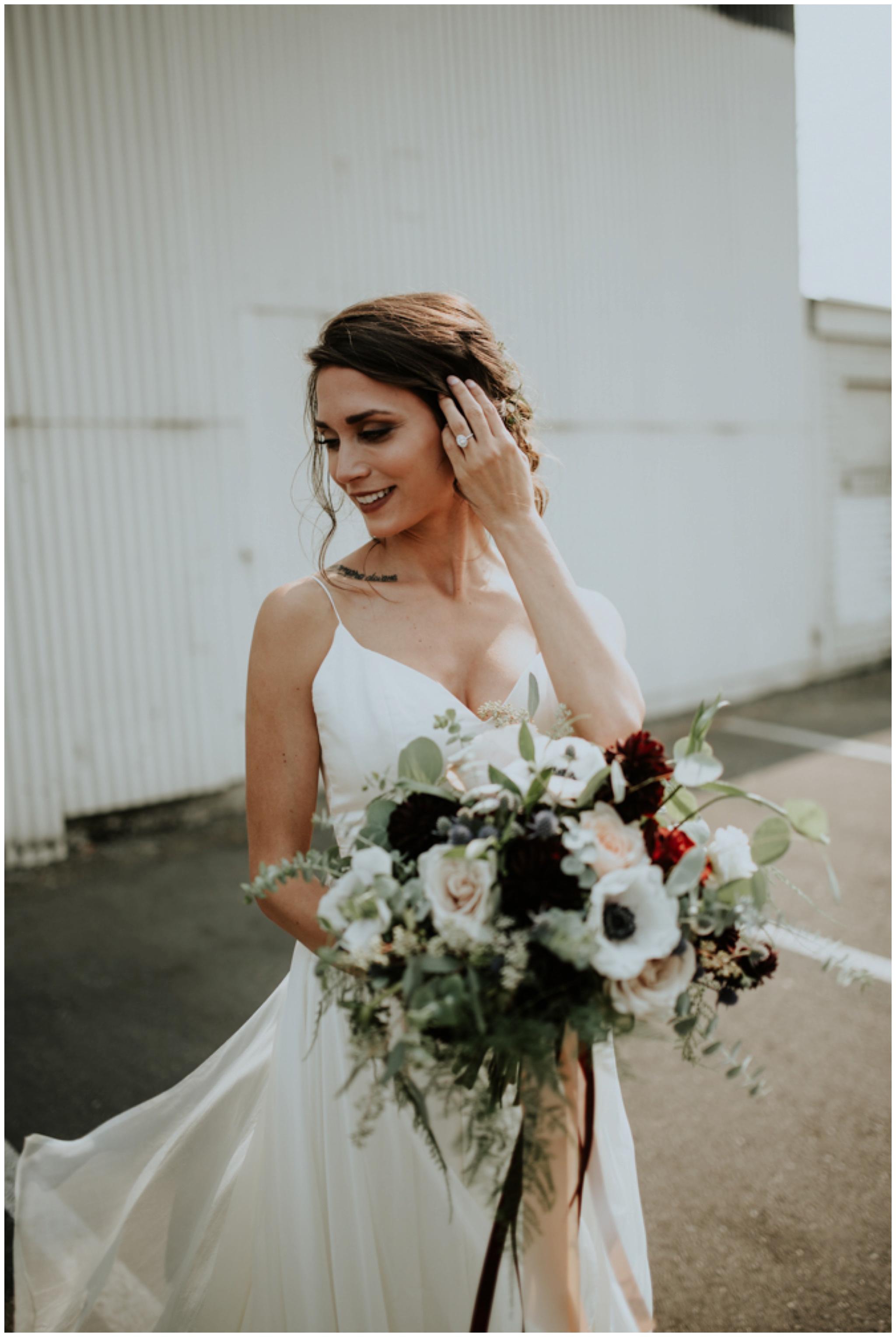 alyssa-keiran-westland-distillery-urban-seattle-wedding-photographer-caitlyn-nikula-89.jpg
