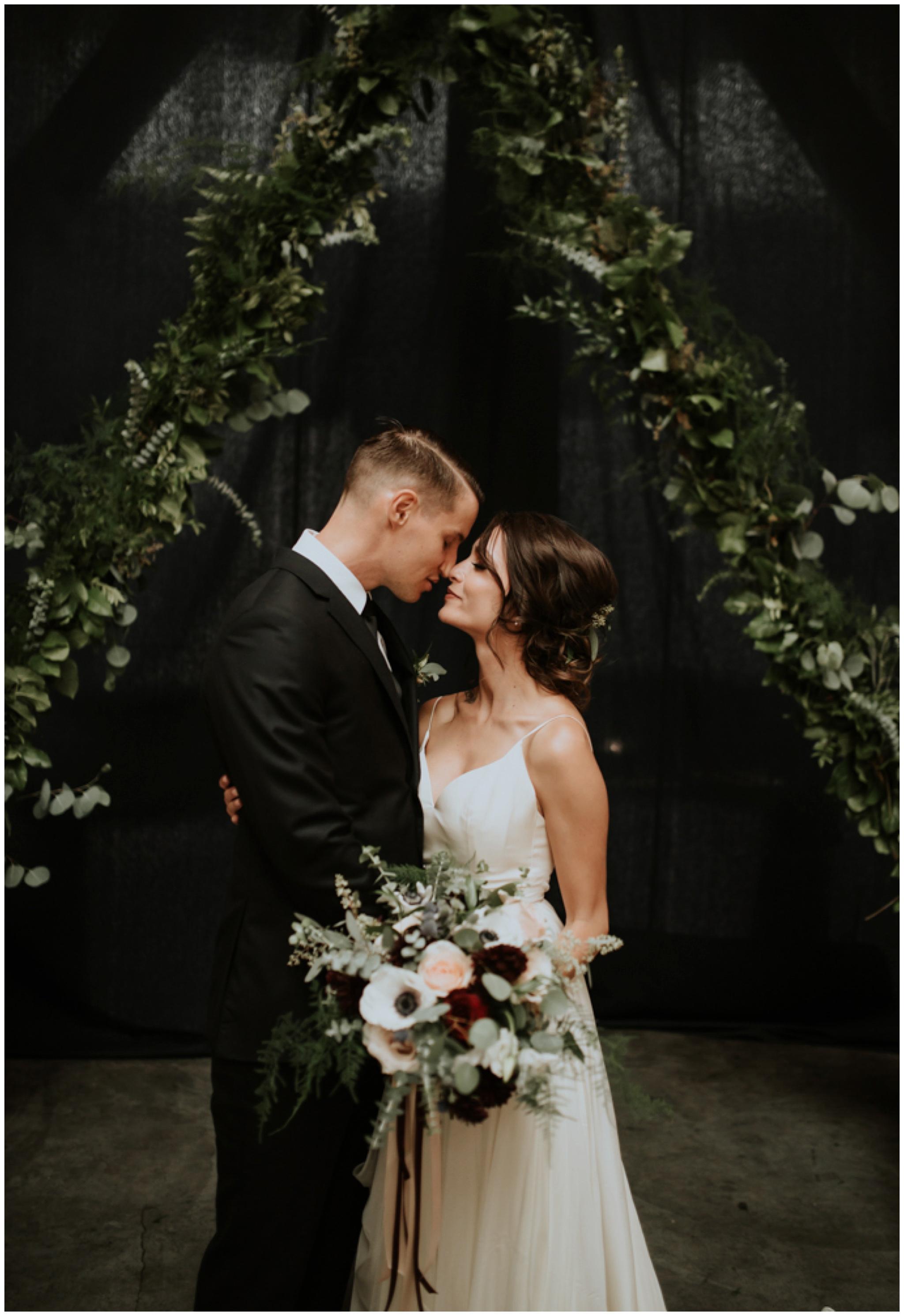 alyssa-keiran-westland-distillery-urban-seattle-wedding-photographer-caitlyn-nikula-94.jpg