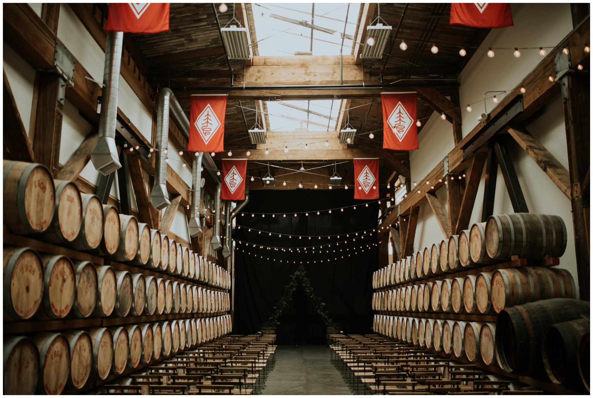 alyssa-keiran-westland-distillery-urban-seattle-wedding-photographer-caitlyn-nikula-95.jpg