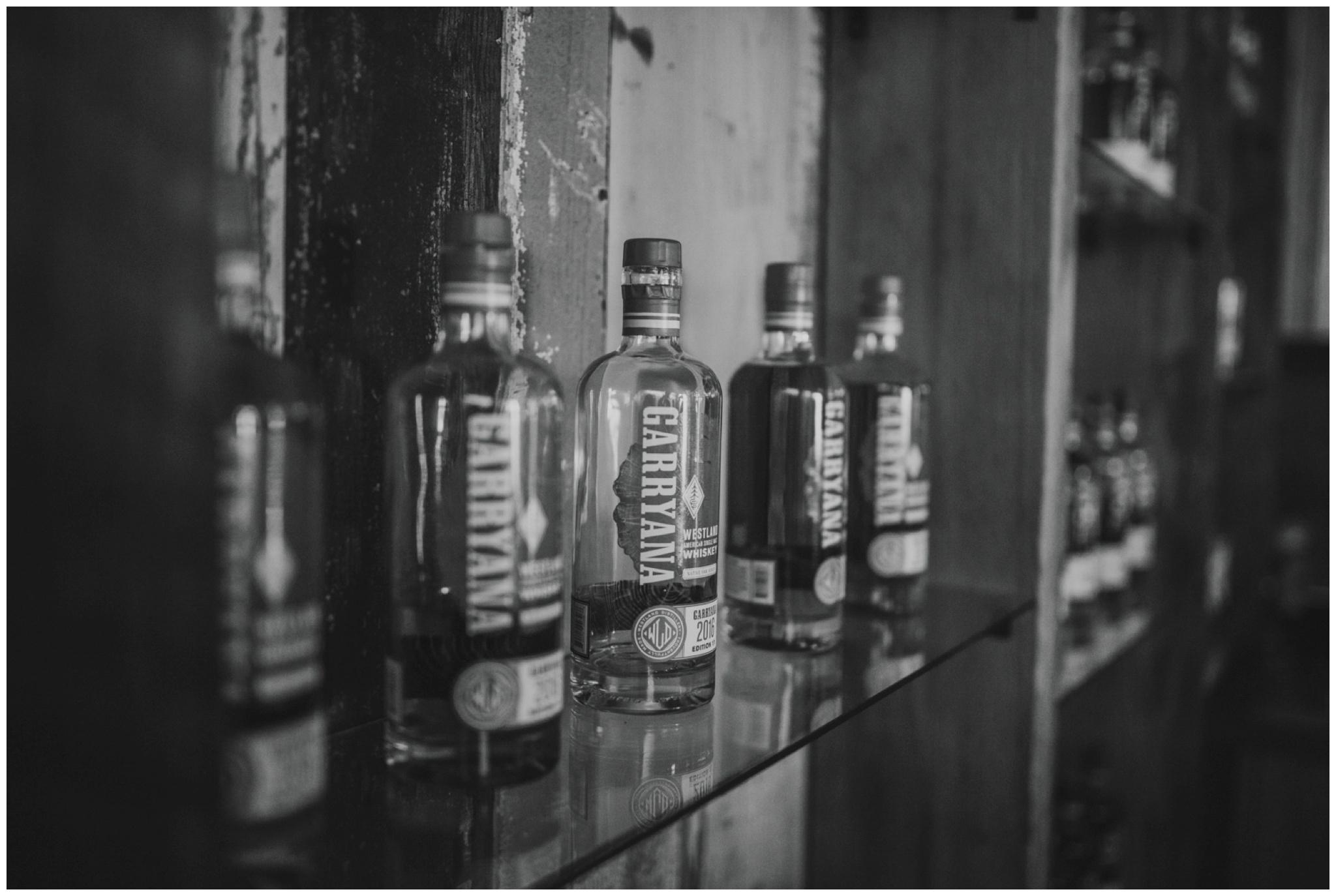 alyssa-keiran-westland-distillery-urban-seattle-wedding-photographer-caitlyn-nikula-103.jpg