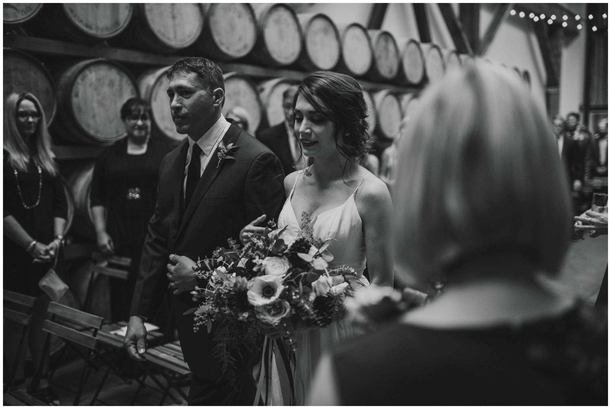 alyssa-keiran-westland-distillery-urban-seattle-wedding-photographer-caitlyn-nikula-110.jpg