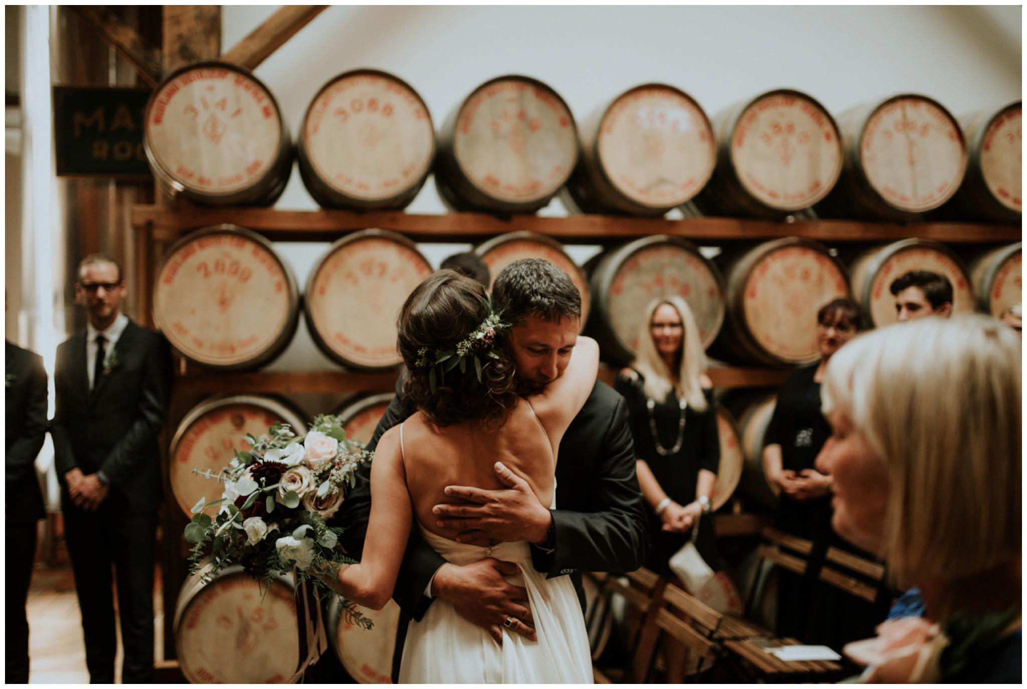 alyssa-keiran-westland-distillery-urban-seattle-wedding-photographer-caitlyn-nikula-111.jpg
