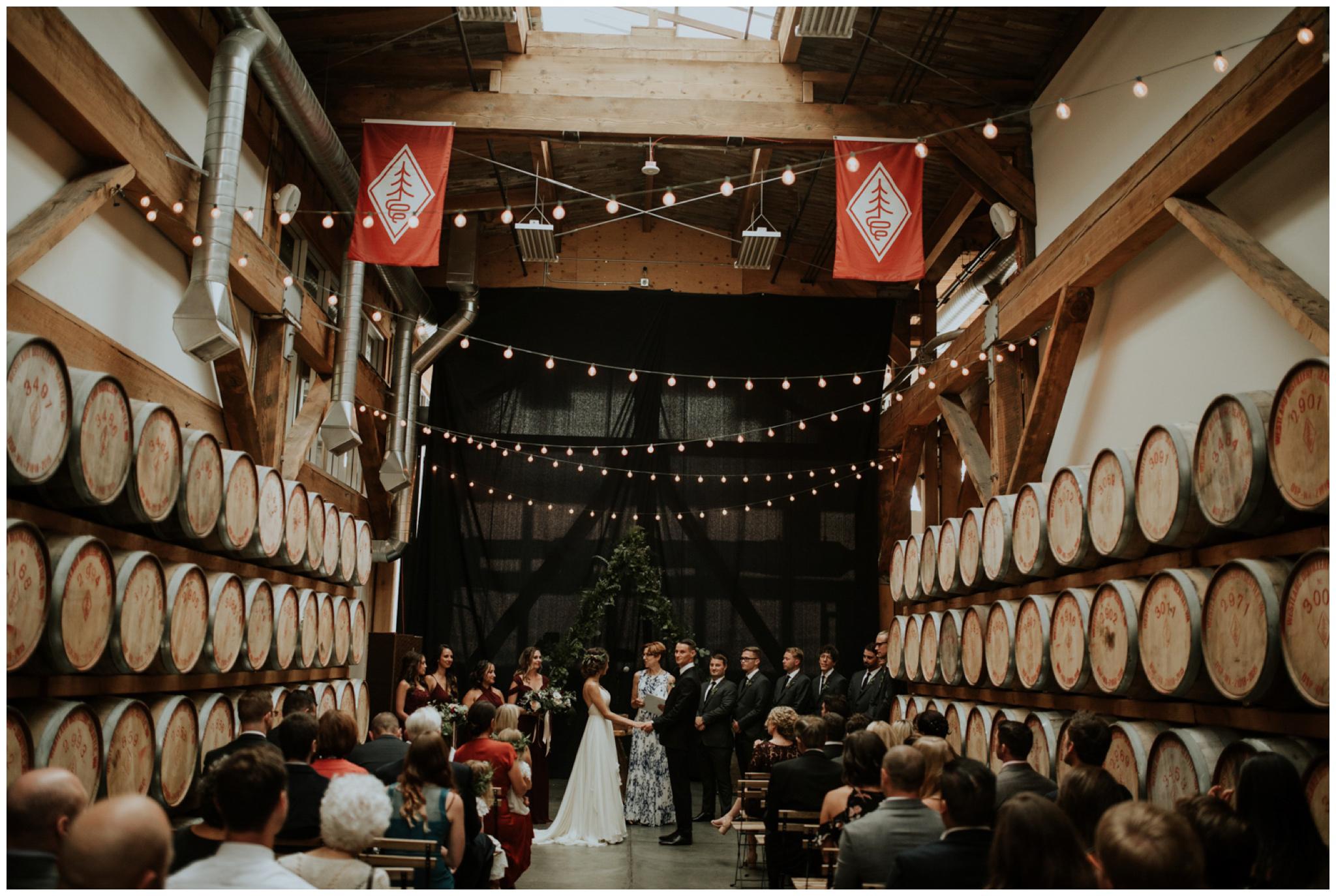 alyssa-keiran-westland-distillery-urban-seattle-wedding-photographer-caitlyn-nikula-114.jpg