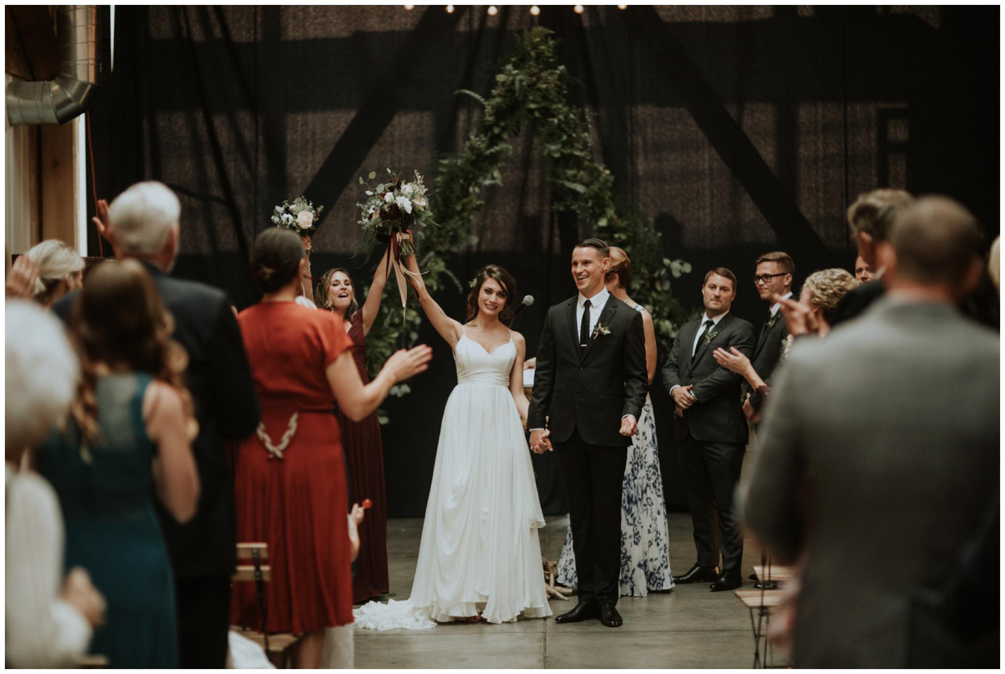 alyssa-keiran-westland-distillery-urban-seattle-wedding-photographer-caitlyn-nikula-122.jpg