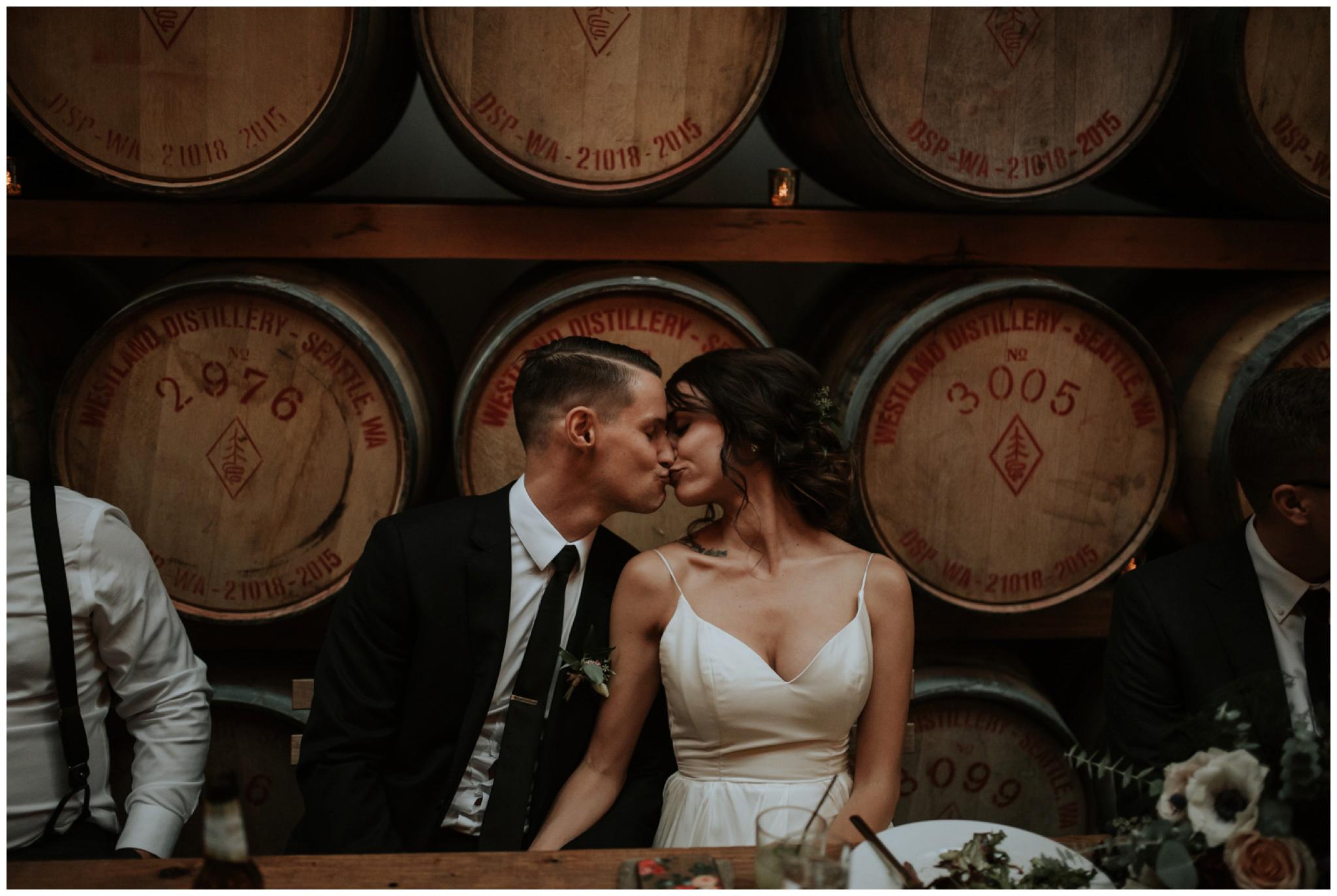 alyssa-keiran-westland-distillery-urban-seattle-wedding-photographer-caitlyn-nikula-139.jpg