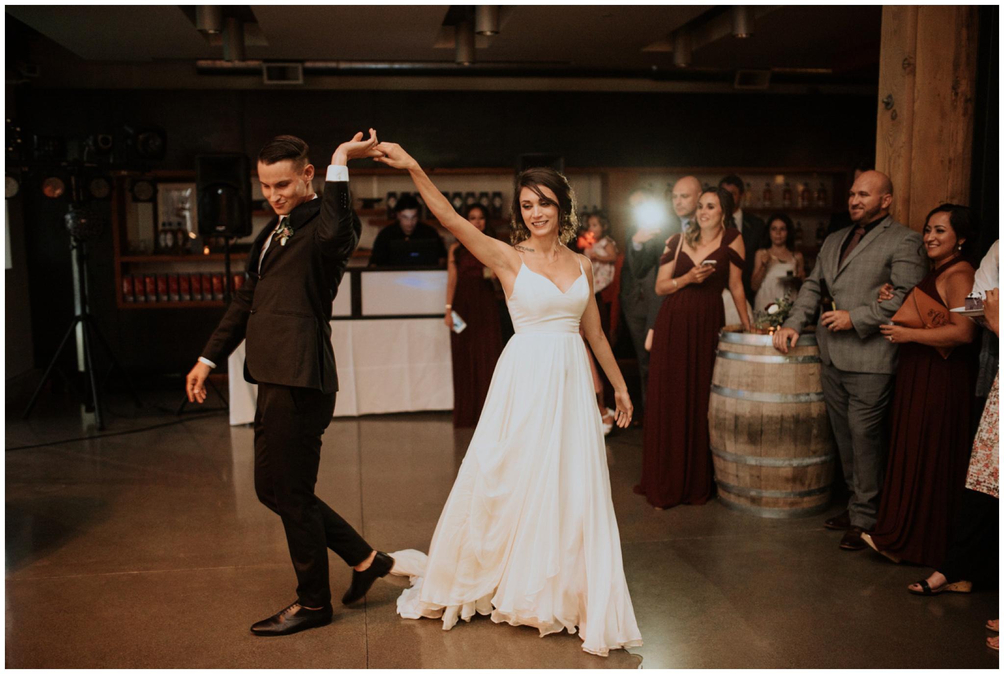 alyssa-keiran-westland-distillery-urban-seattle-wedding-photographer-caitlyn-nikula-148.jpg