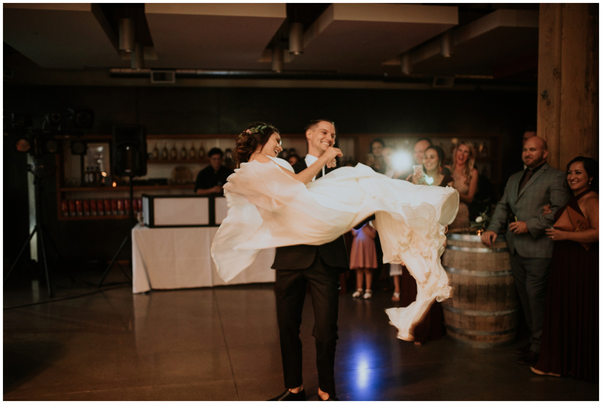 alyssa-keiran-westland-distillery-urban-seattle-wedding-photographer-caitlyn-nikula-150.jpg