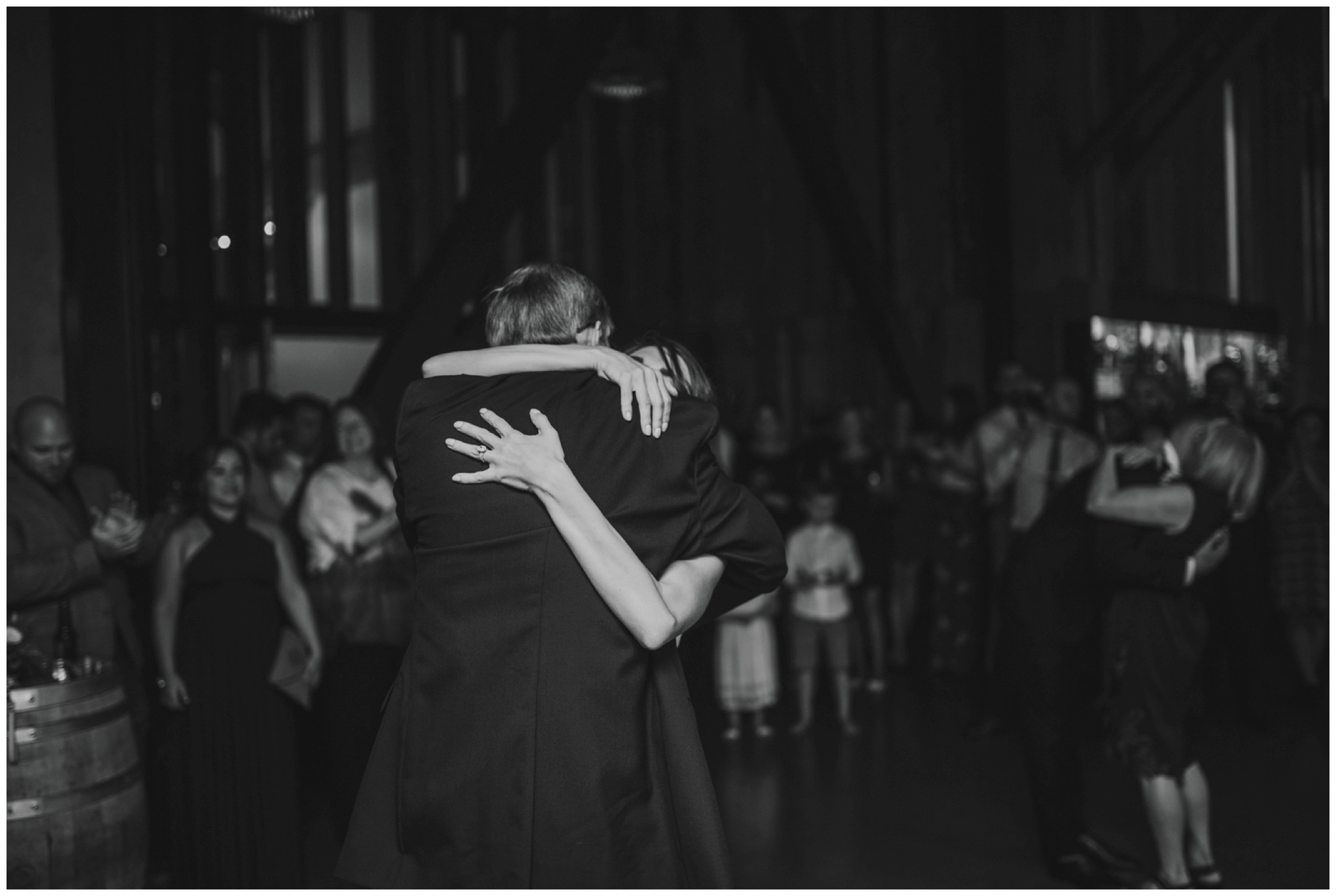 alyssa-keiran-westland-distillery-urban-seattle-wedding-photographer-caitlyn-nikula-154.jpg