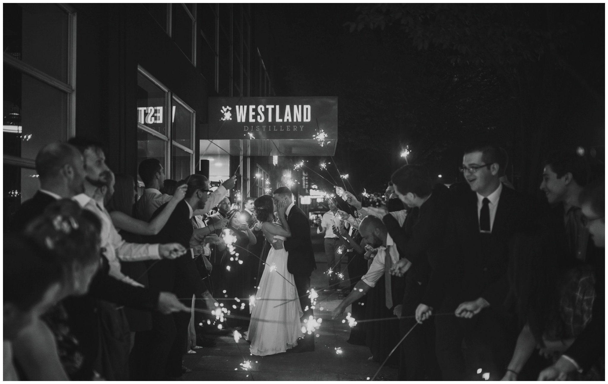 alyssa-keiran-westland-distillery-urban-seattle-wedding-photographer-caitlyn-nikula-175.jpg