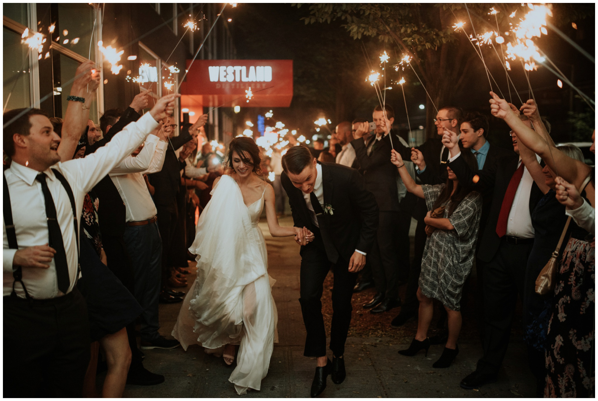 alyssa-keiran-westland-distillery-urban-seattle-wedding-photographer-caitlyn-nikula-176.jpg