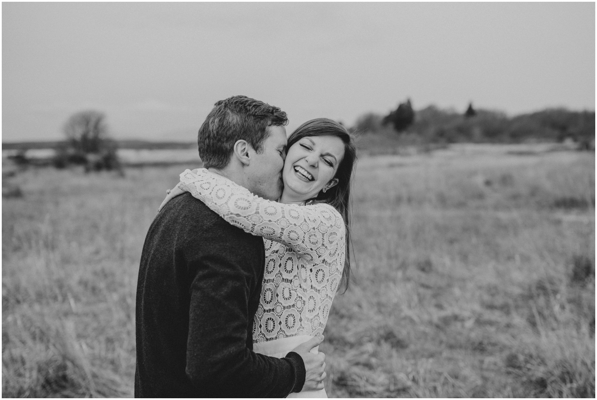 emily-and-matthew-seattle-wedding-photographer-discovery-park-engagement-session-002.jpg