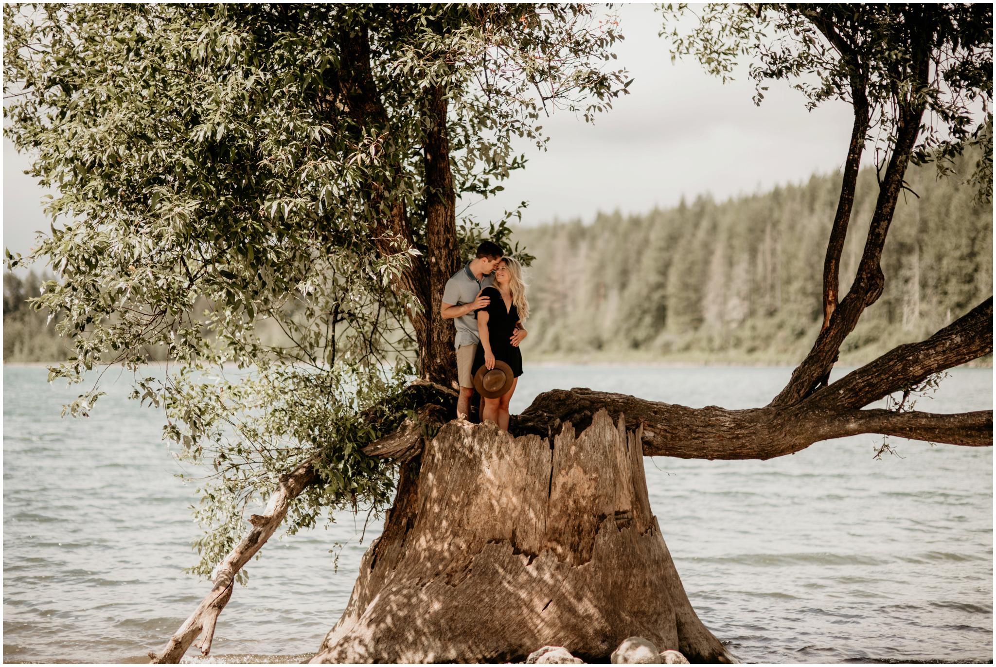 katie-nolan-rattlesnake-lake-engagement-session-seattle-wedding-photographer-014.jpg