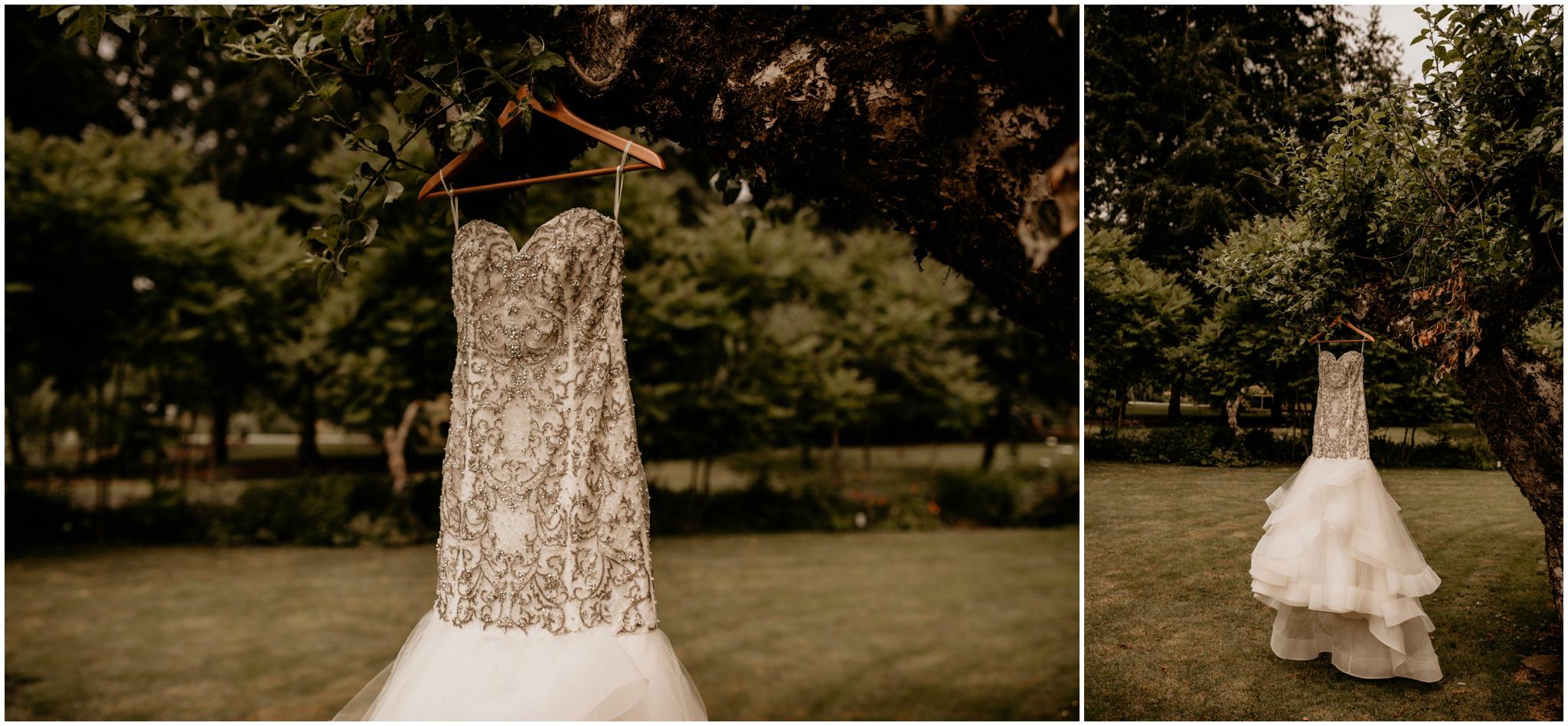 alex-and-matthew-three-cs-farm-venue-seattle-wedding-photographer-002.jpg