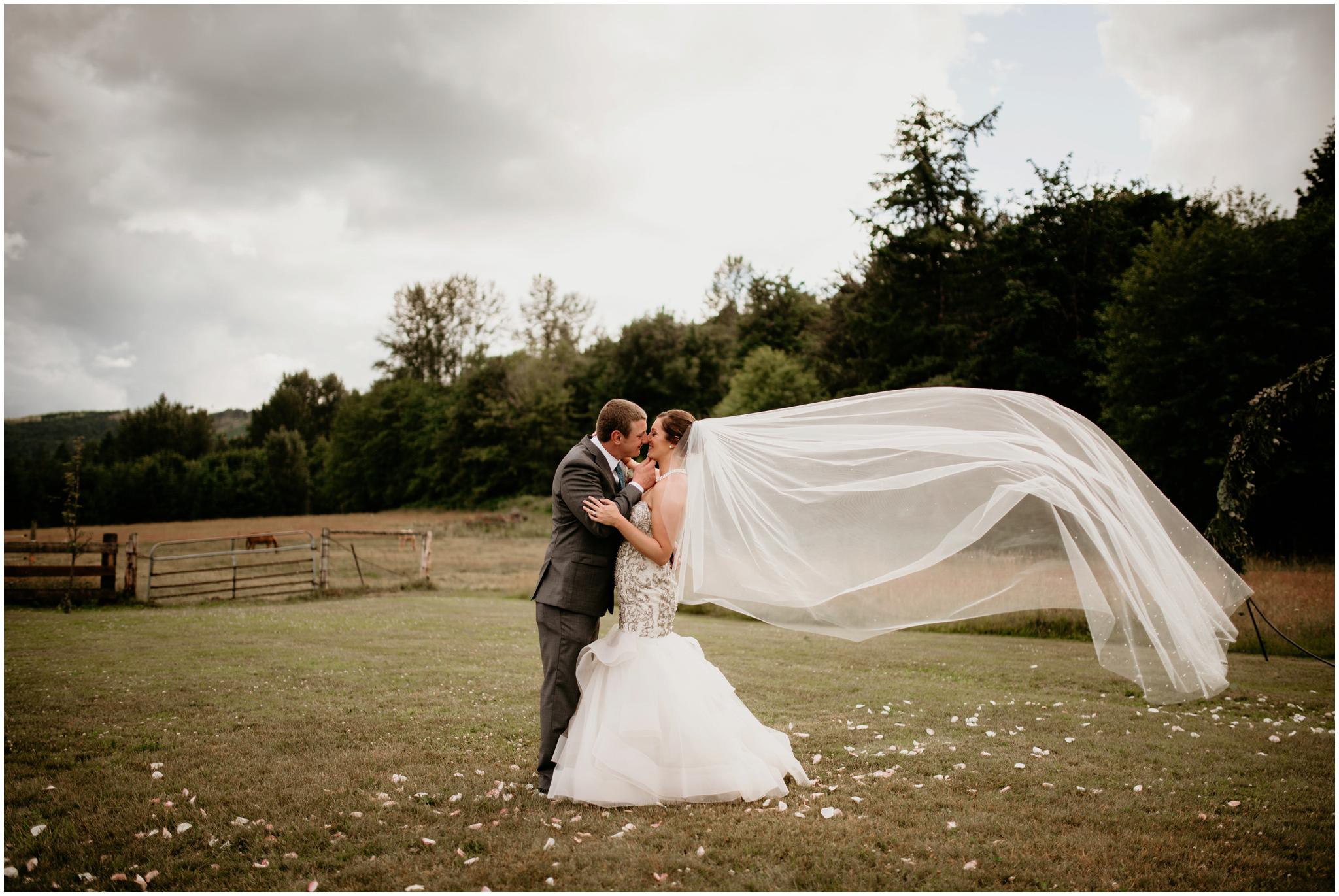 alex-and-matthew-three-cs-farm-venue-seattle-wedding-photographer-142.jpg