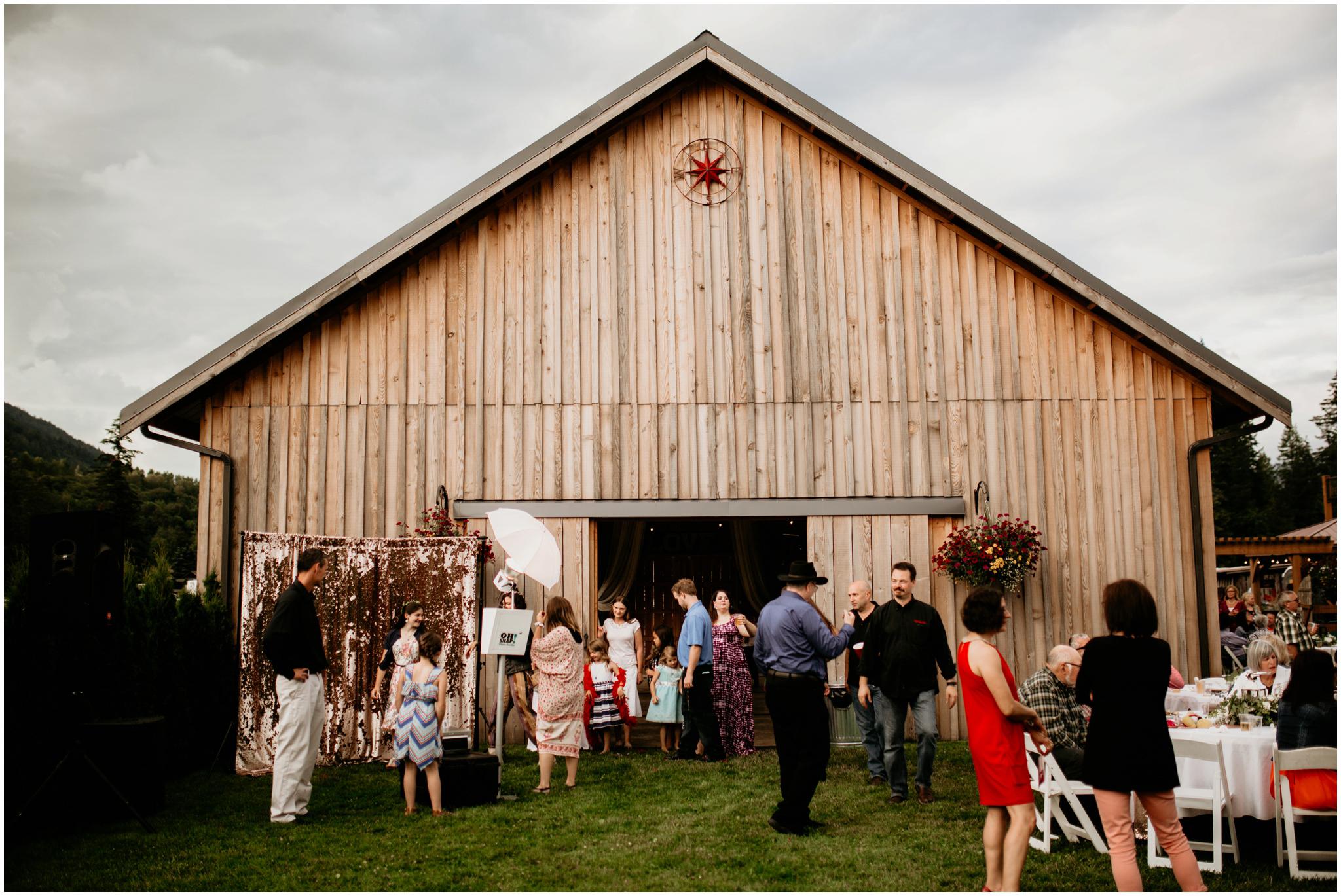alex-and-matthew-three-cs-farm-venue-seattle-wedding-photographer-154.jpg