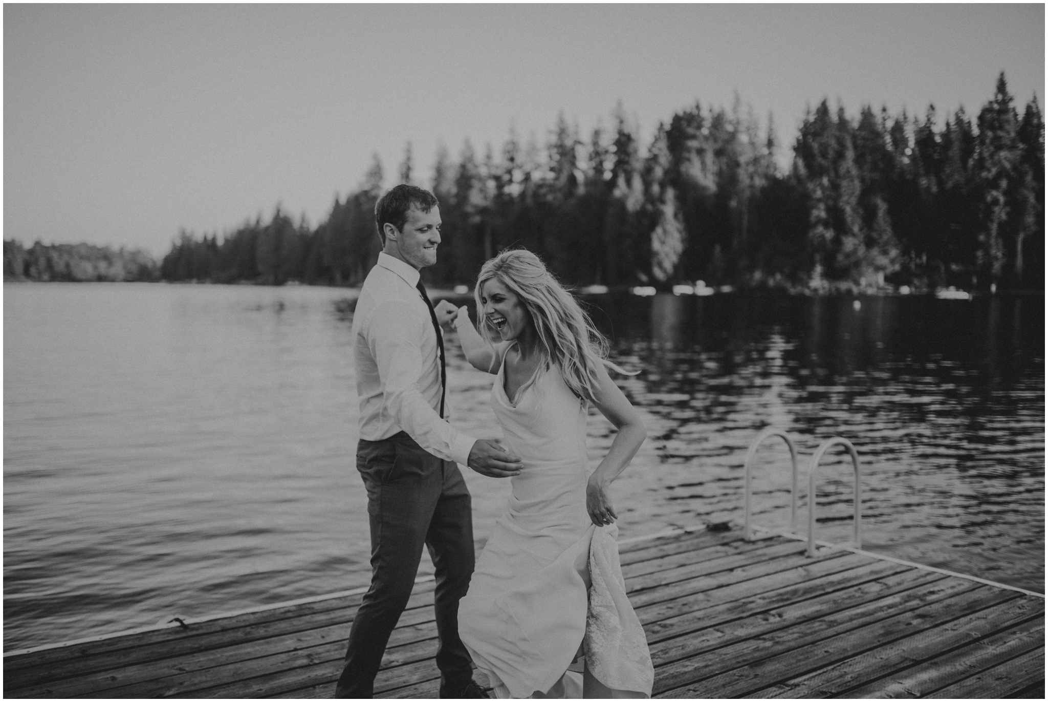 alicia-and-andy-green-gates-at-flowing-lake-seattle-wedding-photographer-162.jpg