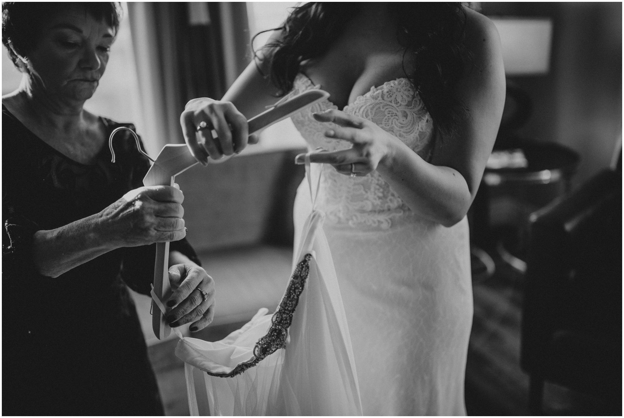 danny+mackenzie+downtown-seattle-axis-wedding-seattle-photographer-016.jpg